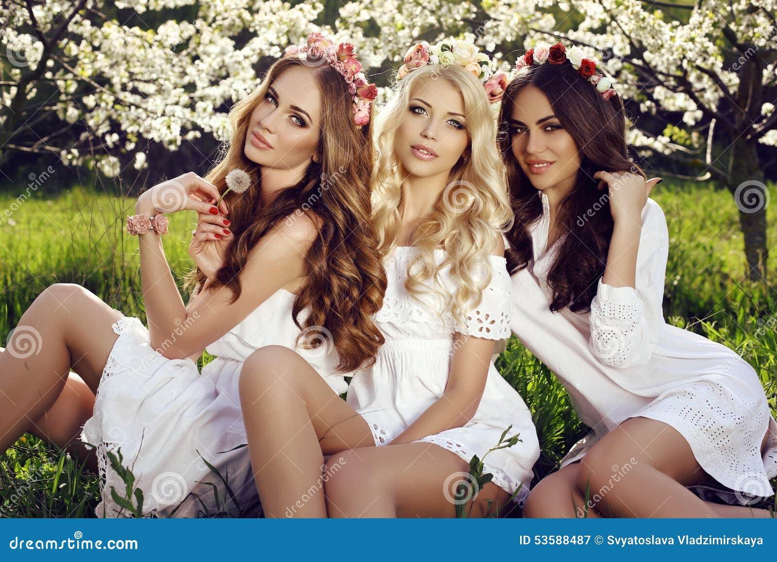 Charming Girls In Elegant Dresses And Flower's Headband ... - photo#29