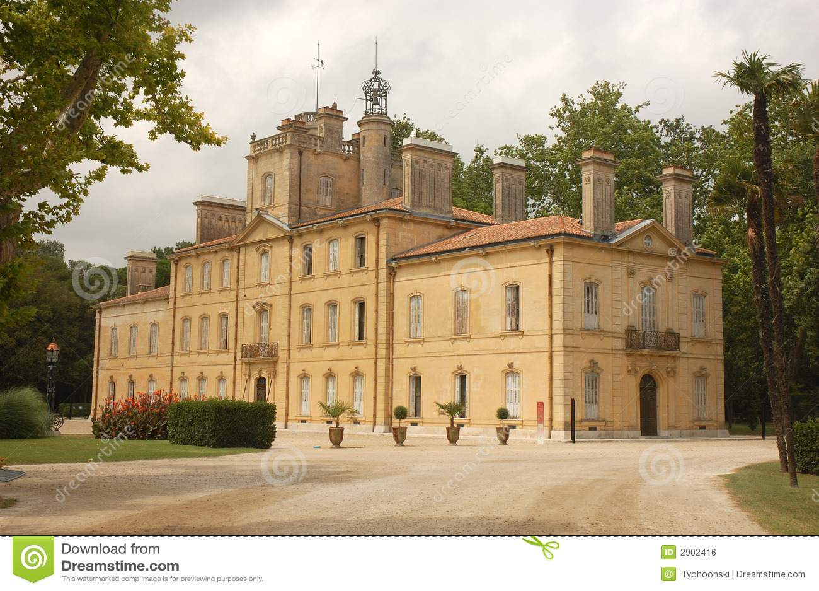 Chateau d 39 avignon royalty free stock image image 2902416 for Ch d avignon