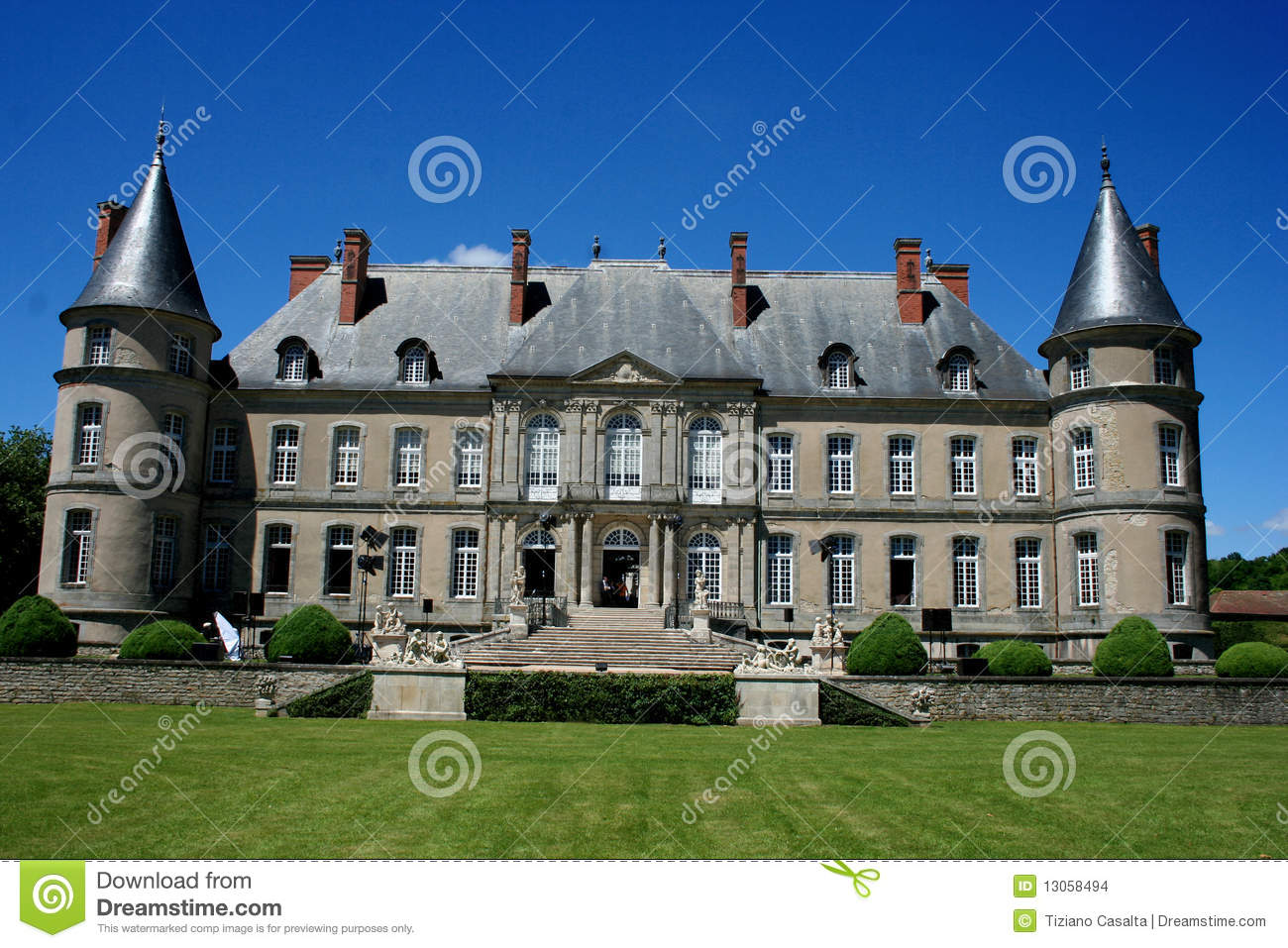 chateau de haroue near nancy france stock photo image. Black Bedroom Furniture Sets. Home Design Ideas