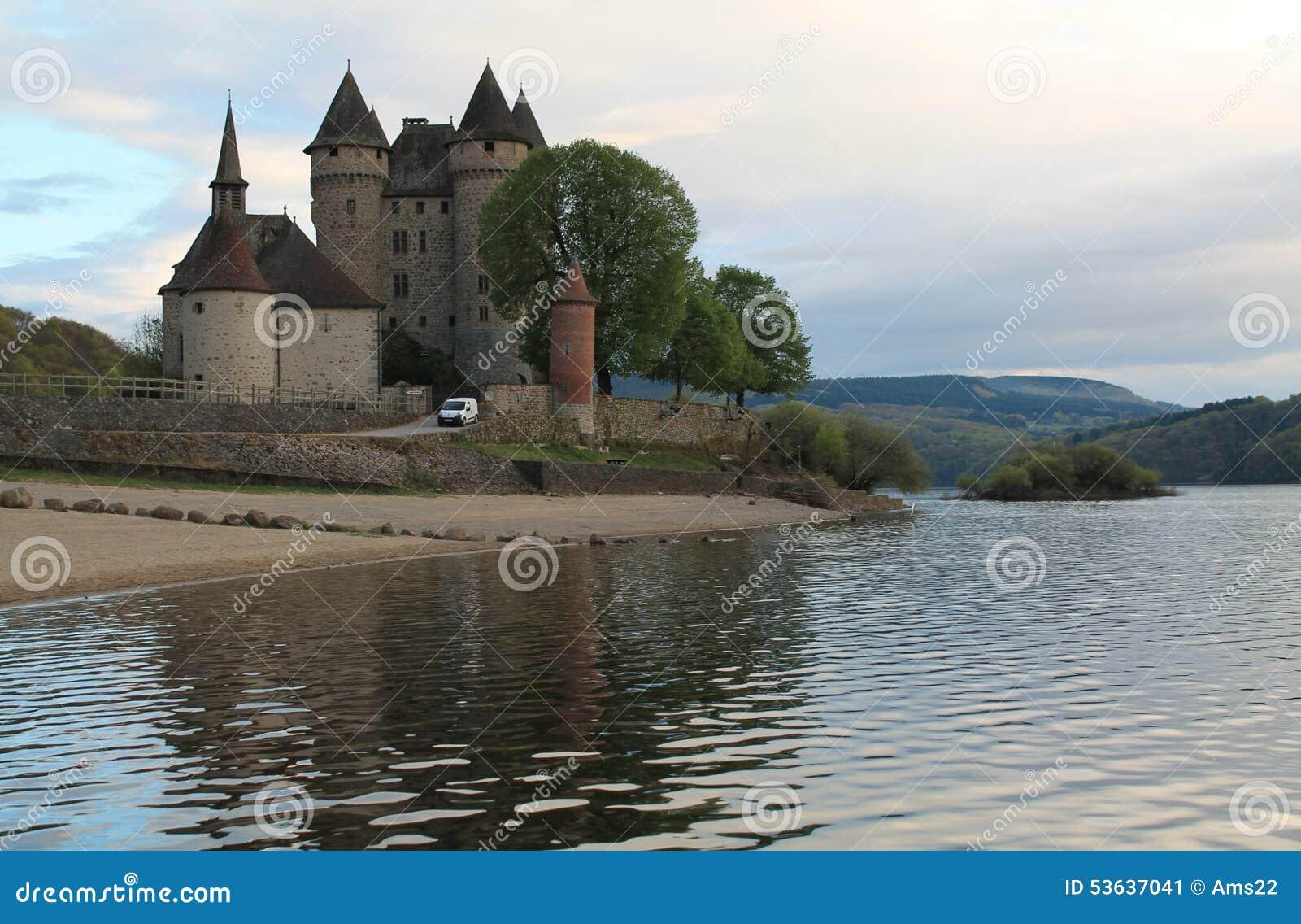 Chateau de Val, Lanobre (法国)