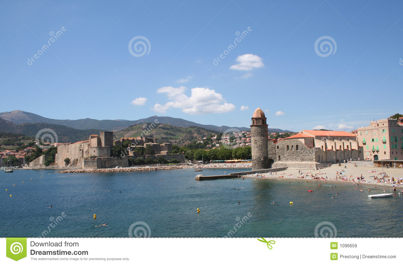 Chateau royal and notre dame collioure france royalty - Chateau royal collioure ...