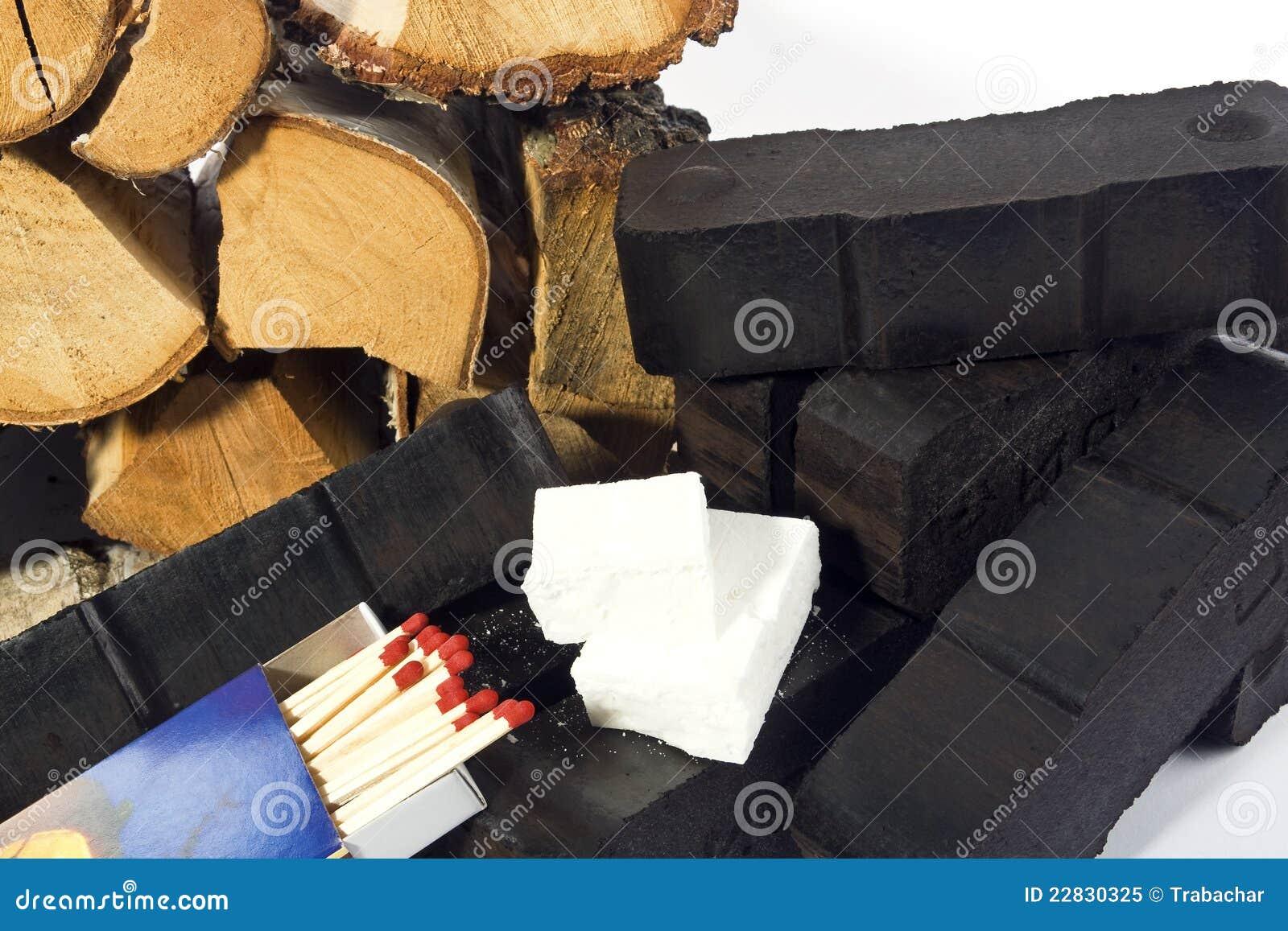 chauffage avec du charbon 1 image stock image du firelighters chemin e 22830325. Black Bedroom Furniture Sets. Home Design Ideas