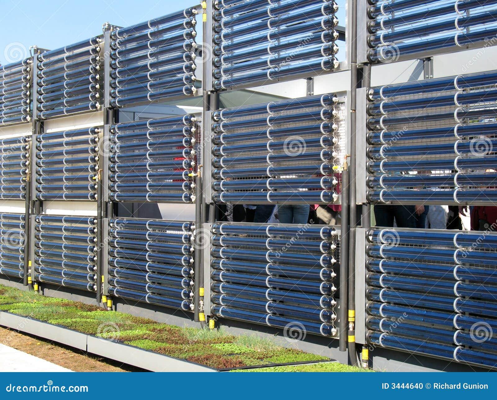 chauffage d 39 eau chaude solaire photo stock image 3444640. Black Bedroom Furniture Sets. Home Design Ideas