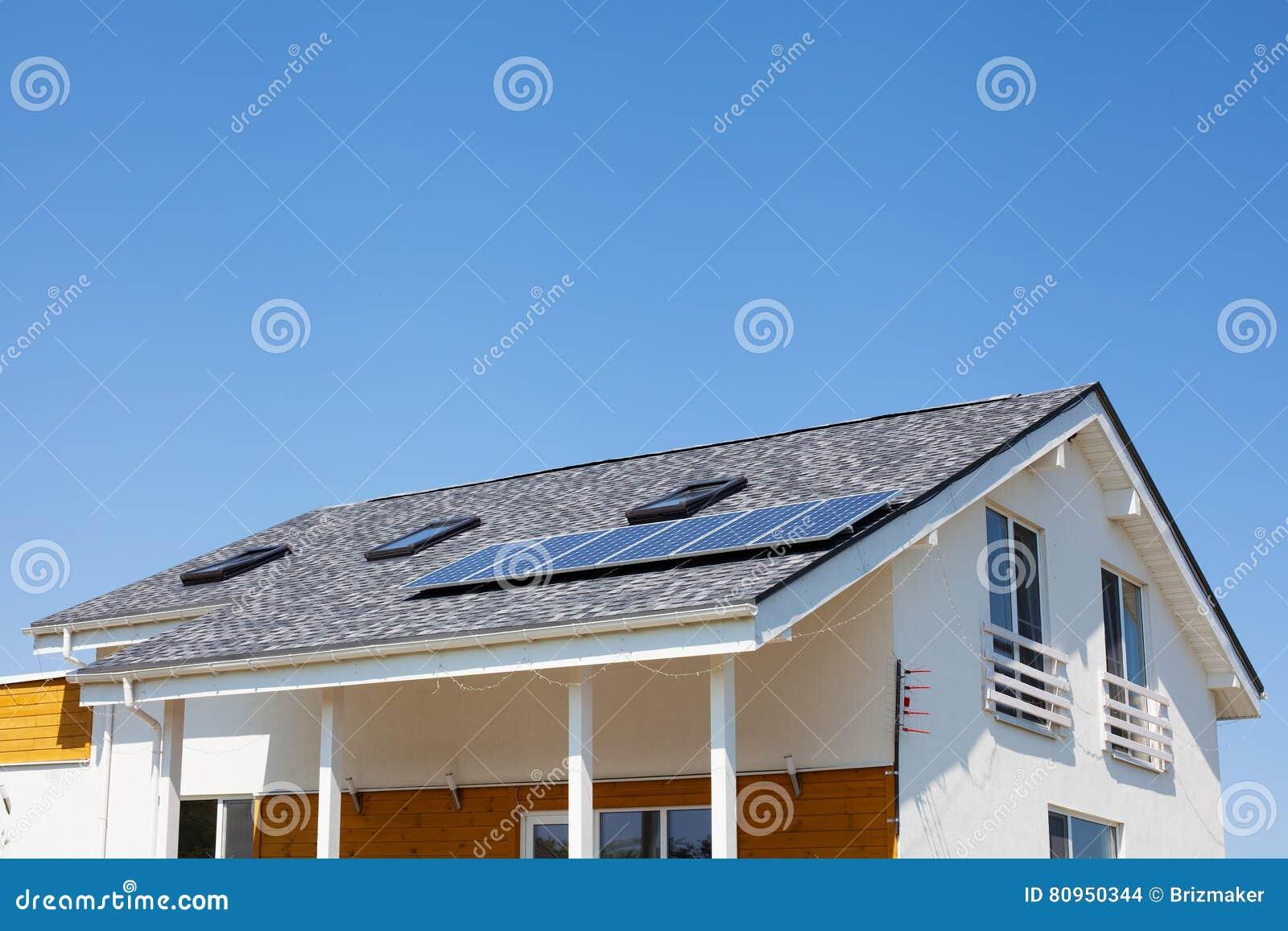 panneau solaire chauffage maison panneau solaire chauffage maison with panneau solaire. Black Bedroom Furniture Sets. Home Design Ideas