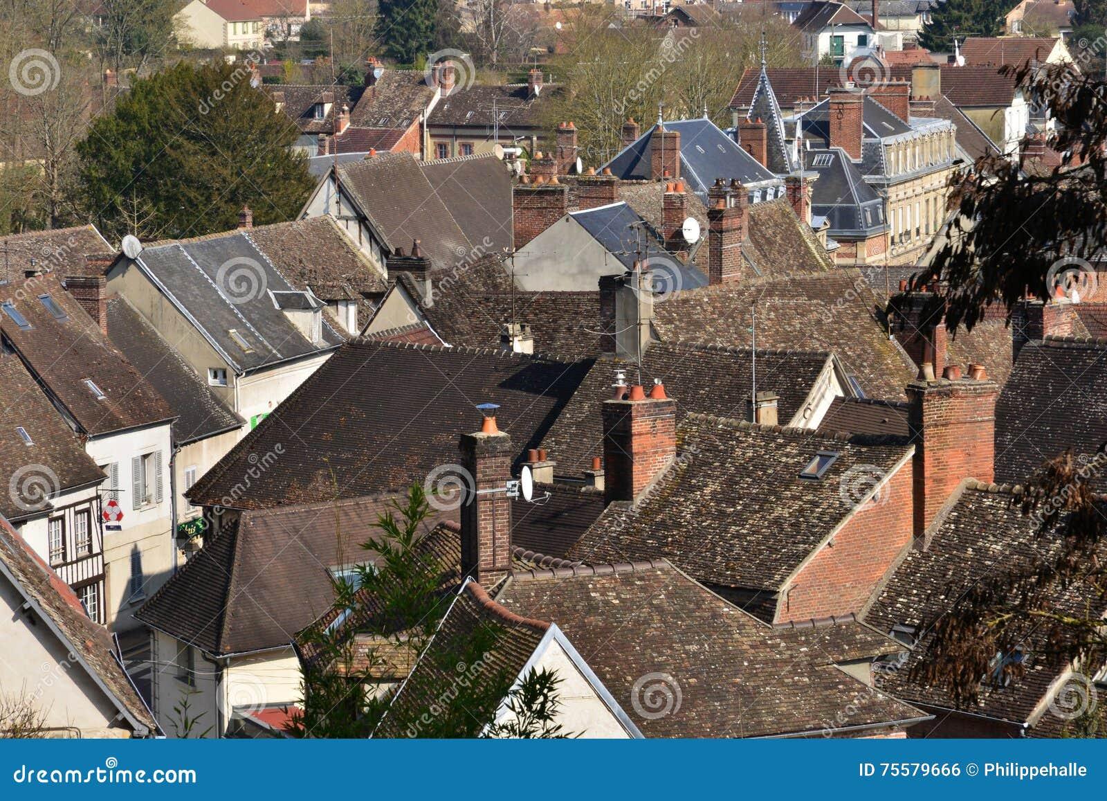Chaumont en Vexin, Francja - marsz 14 2016: miasto