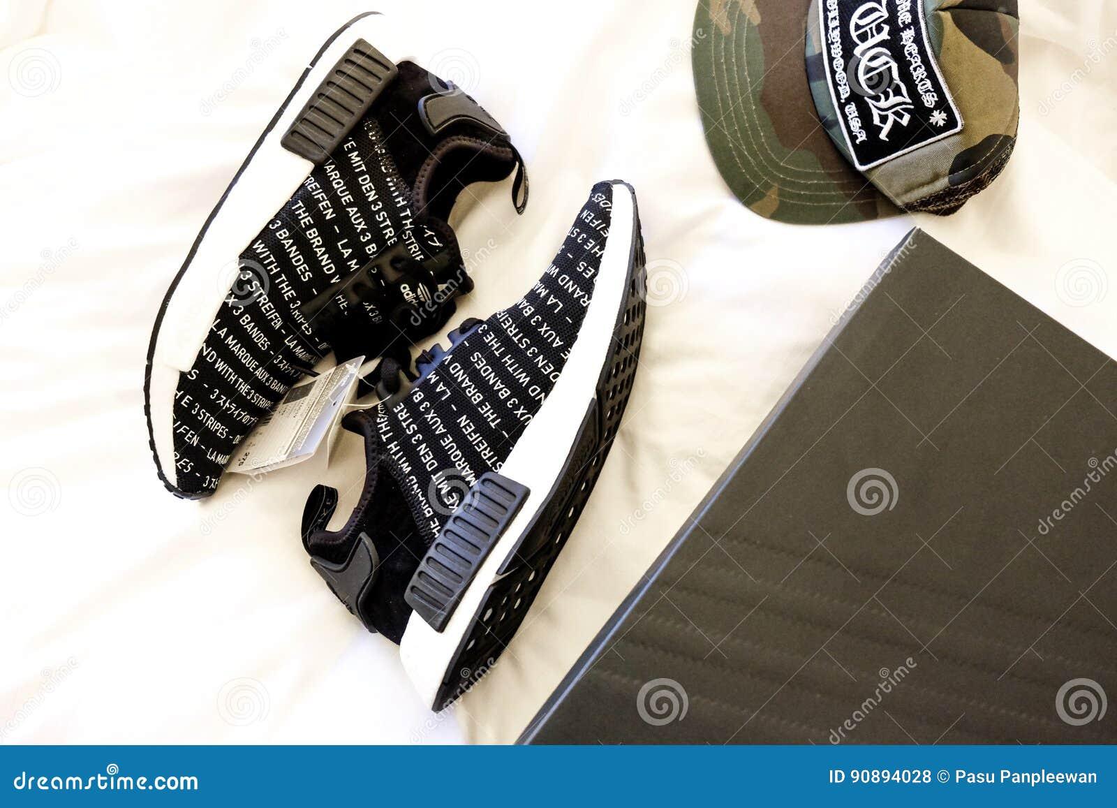 Ressort A Adidas Adidas Chaussure A Adidas Chaussure Ressort Adidas Chaussure Chaussure A Ressort A 4S5c3RjLqA