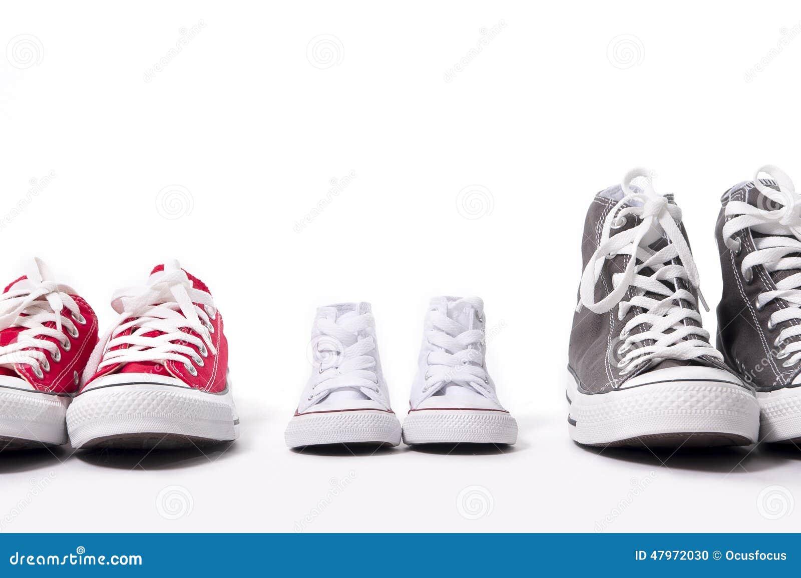 Le La Ou Fils Dans Chaussures Grandmilieu De Et Père Mère E9d2hi LSUMpjzVGq