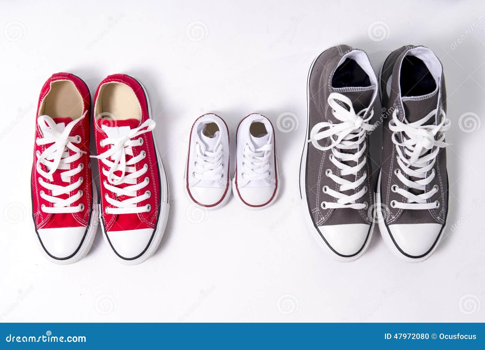 Et Fils Le Chaussures Grand Dans Ou Twxabqp La De Milieu Mère Père Ow57nqCv