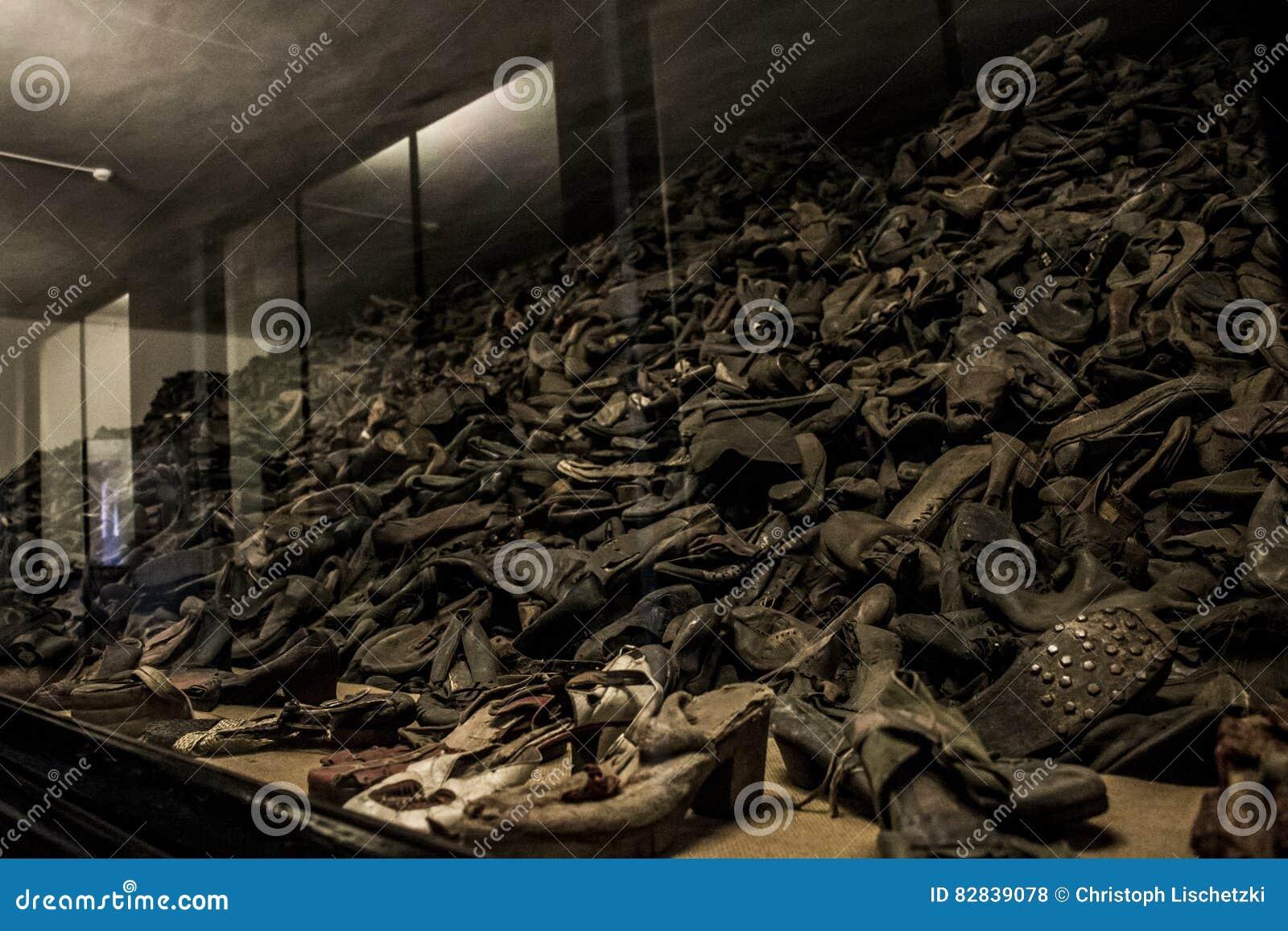 Chaussures Concentration Qui Des Camp Étaient De Personnes rxtBhdCsQ