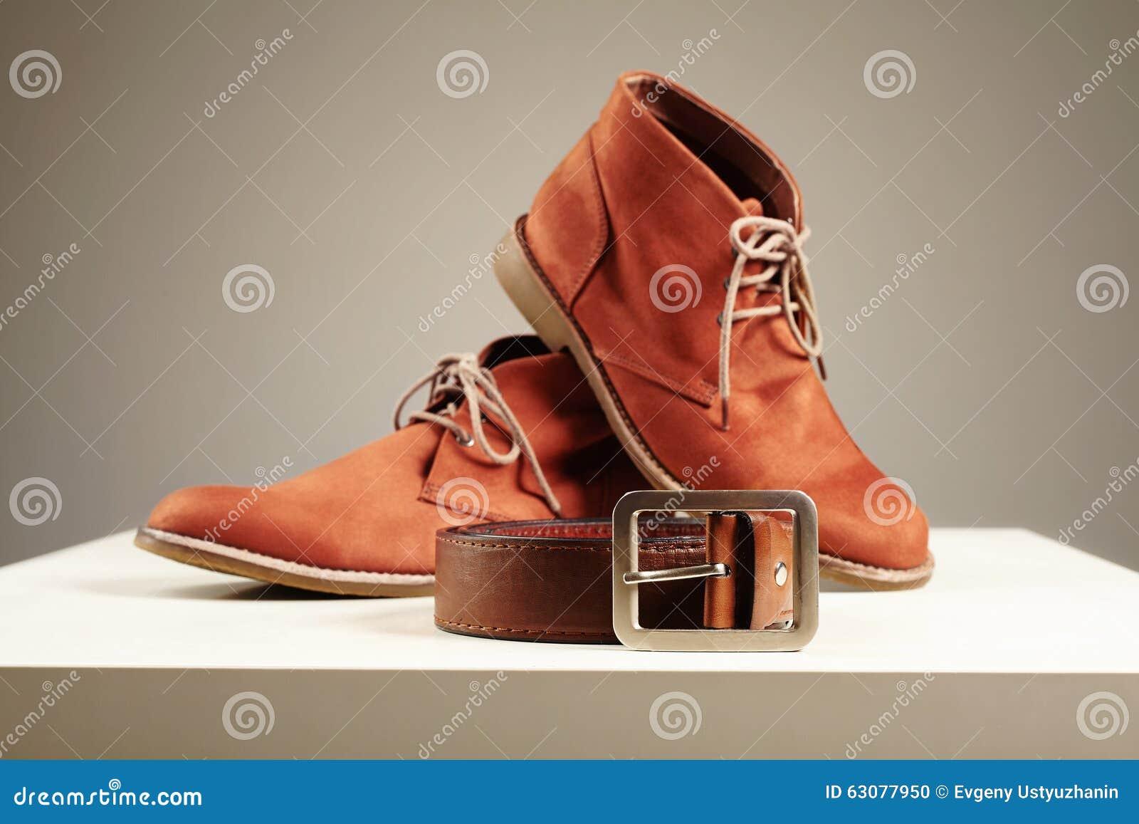 Download Chaussures Et Ceinture De Brown Hommes De Mode Réglés Photo stock - Image du brun, chaussures: 63077950