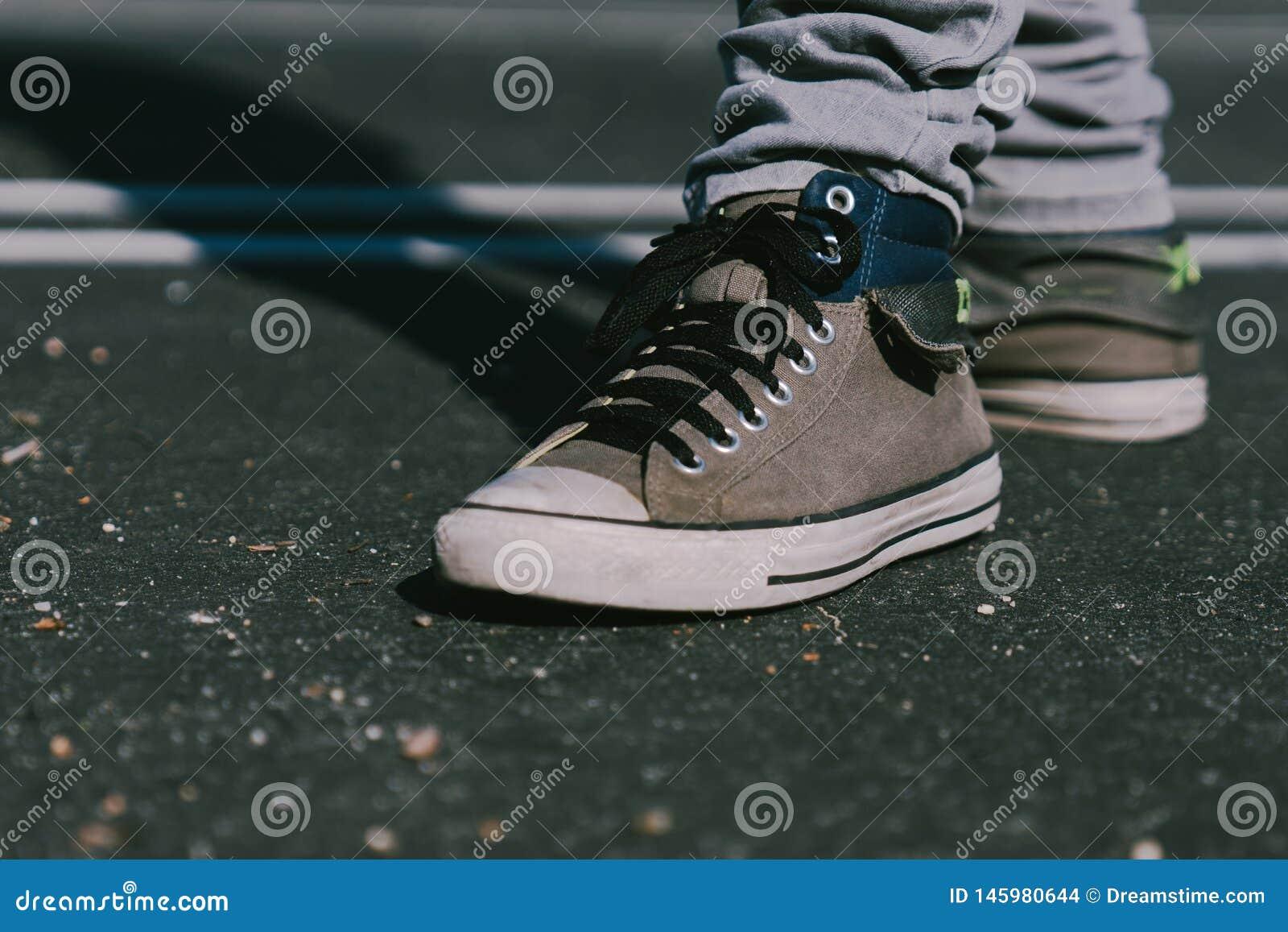 Chaussures sur la route