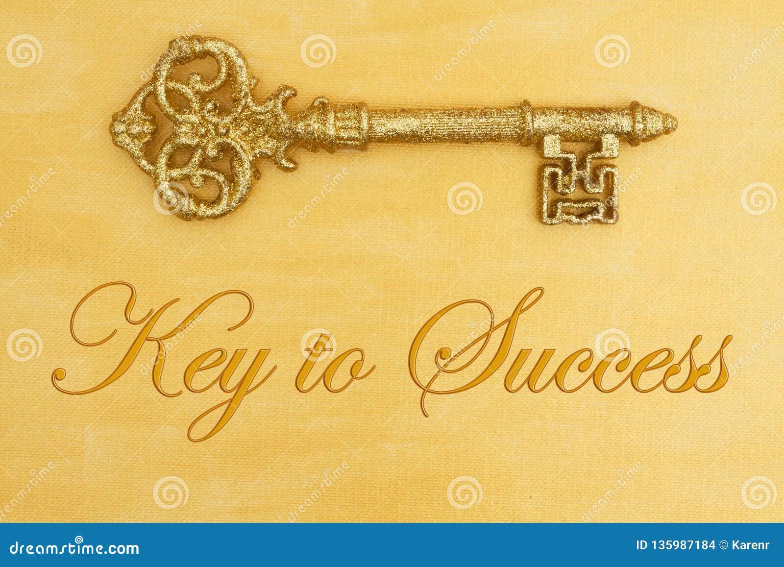 Chave à mensagem de sucesso com ouro afligido pintado à mão com chave dourada