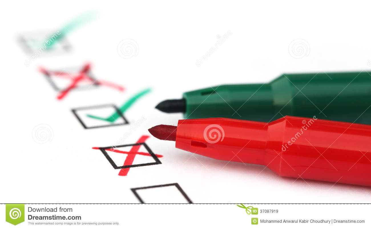 Check List With Green And Red Pen Royalty Free Stock Images - Image ...