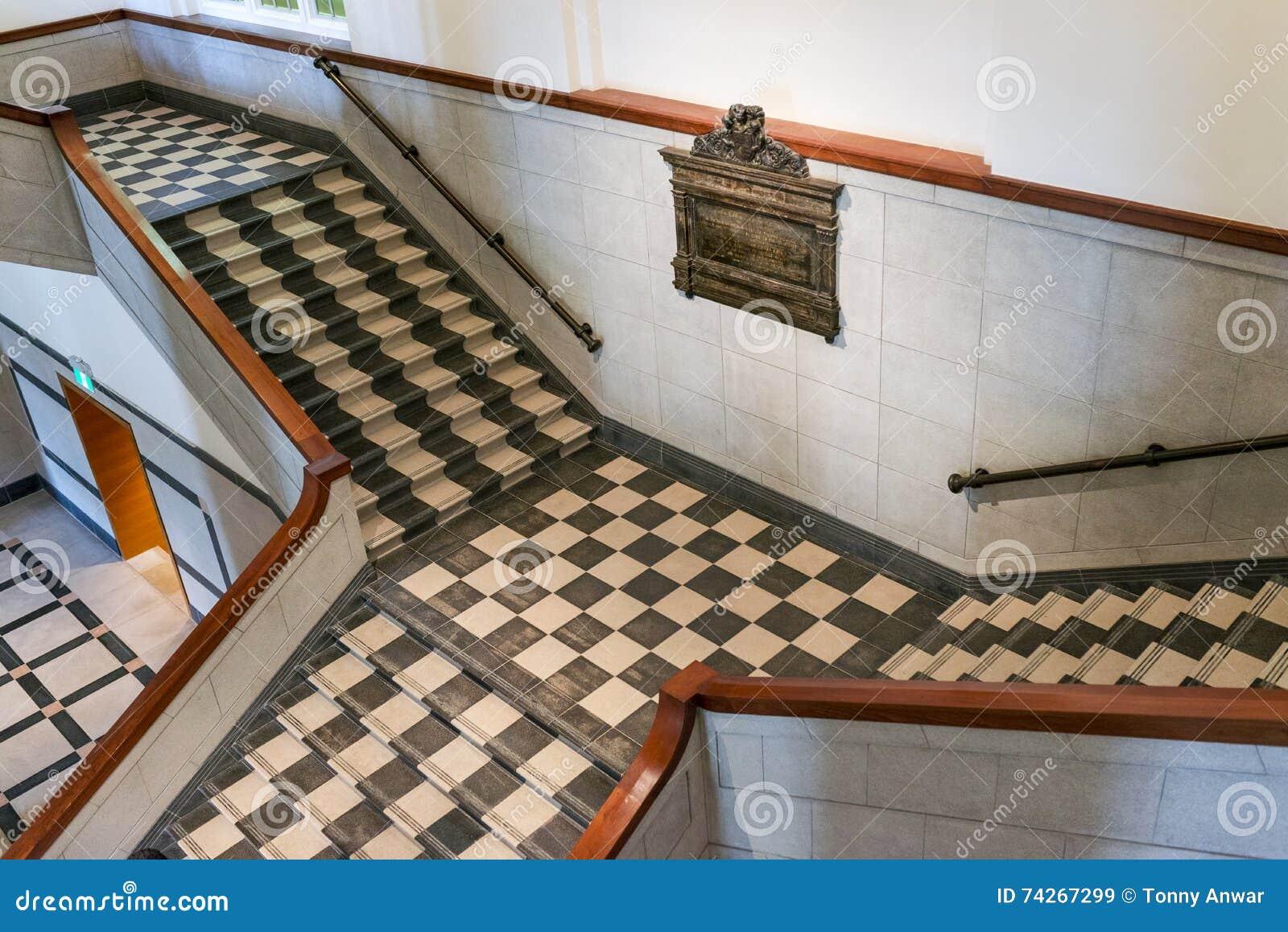 Checker schody