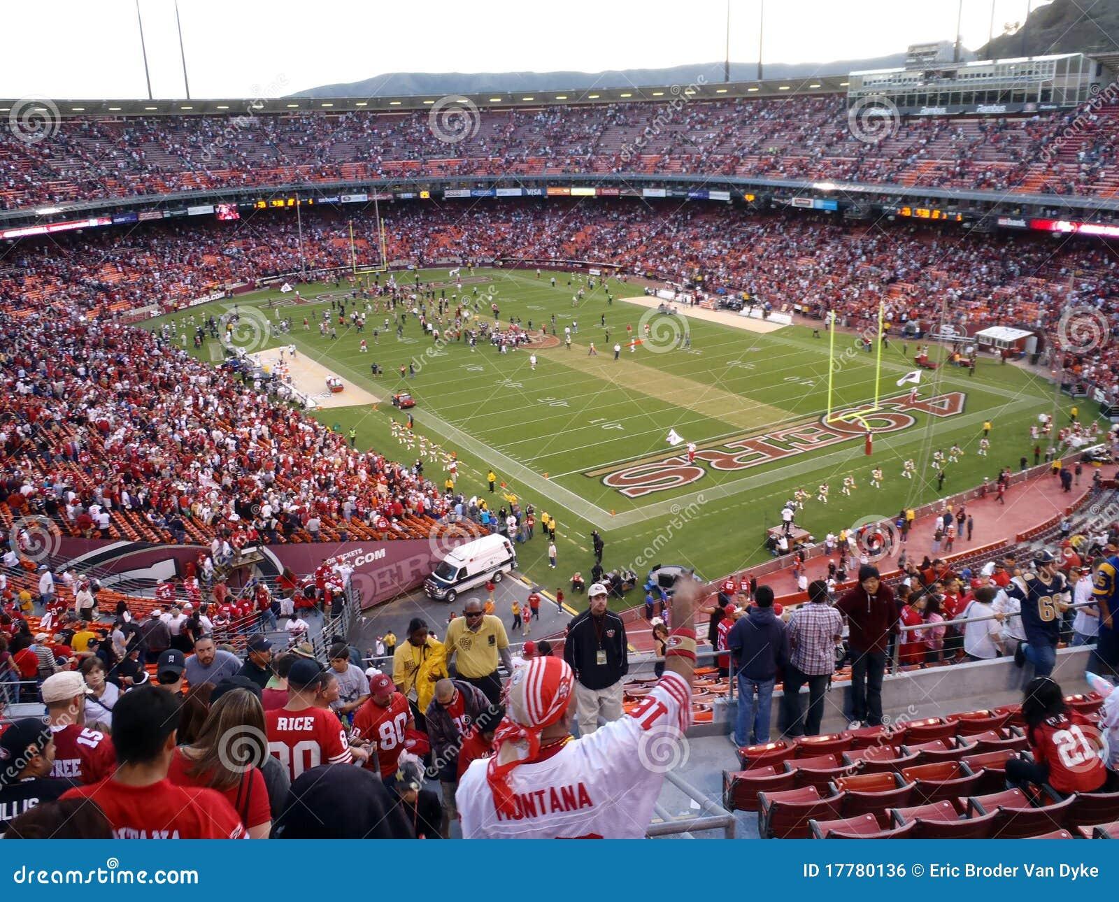 Cheer van ventilators aangezien 49ers vieren wint op gebied