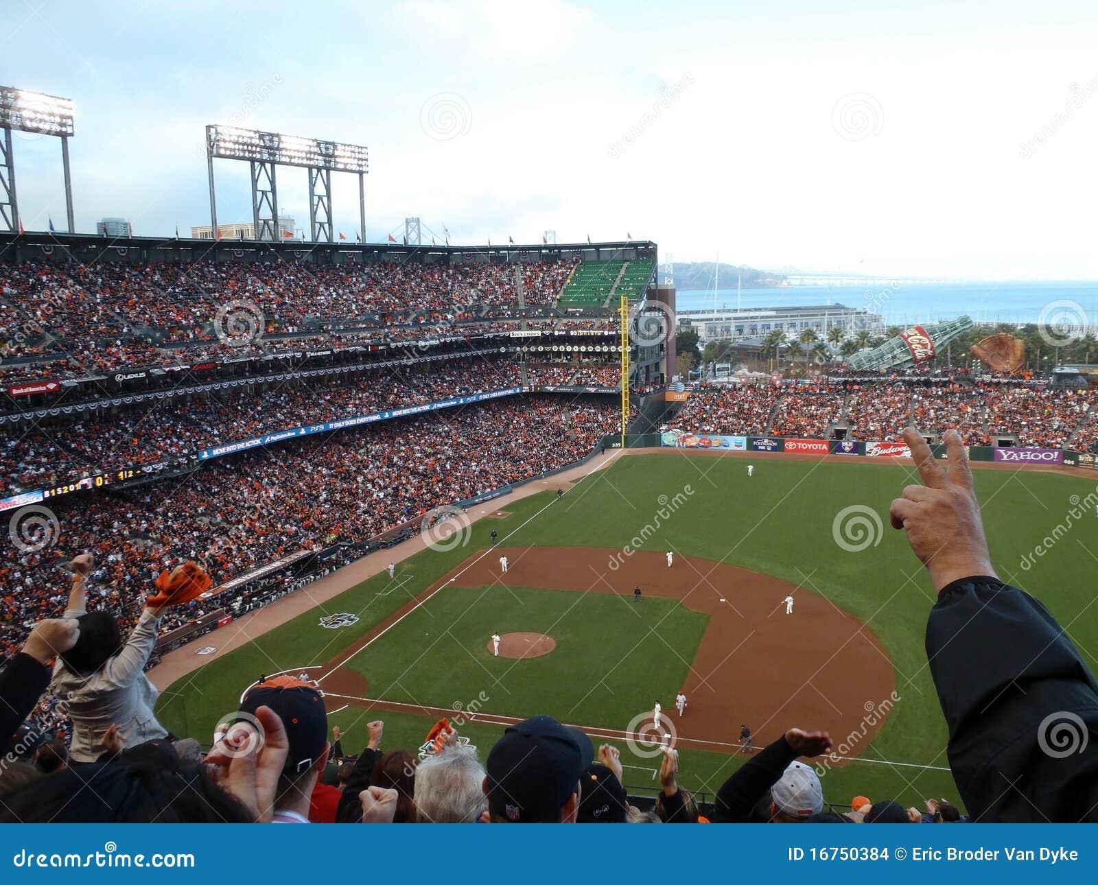 Cheer van ventilators voor inning die strikeout beëindigt