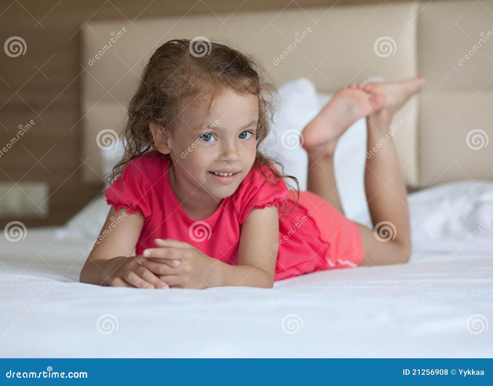 Фото маленькi пiськи, Фото молоденькой писи крупно Голые красотки 22 фотография