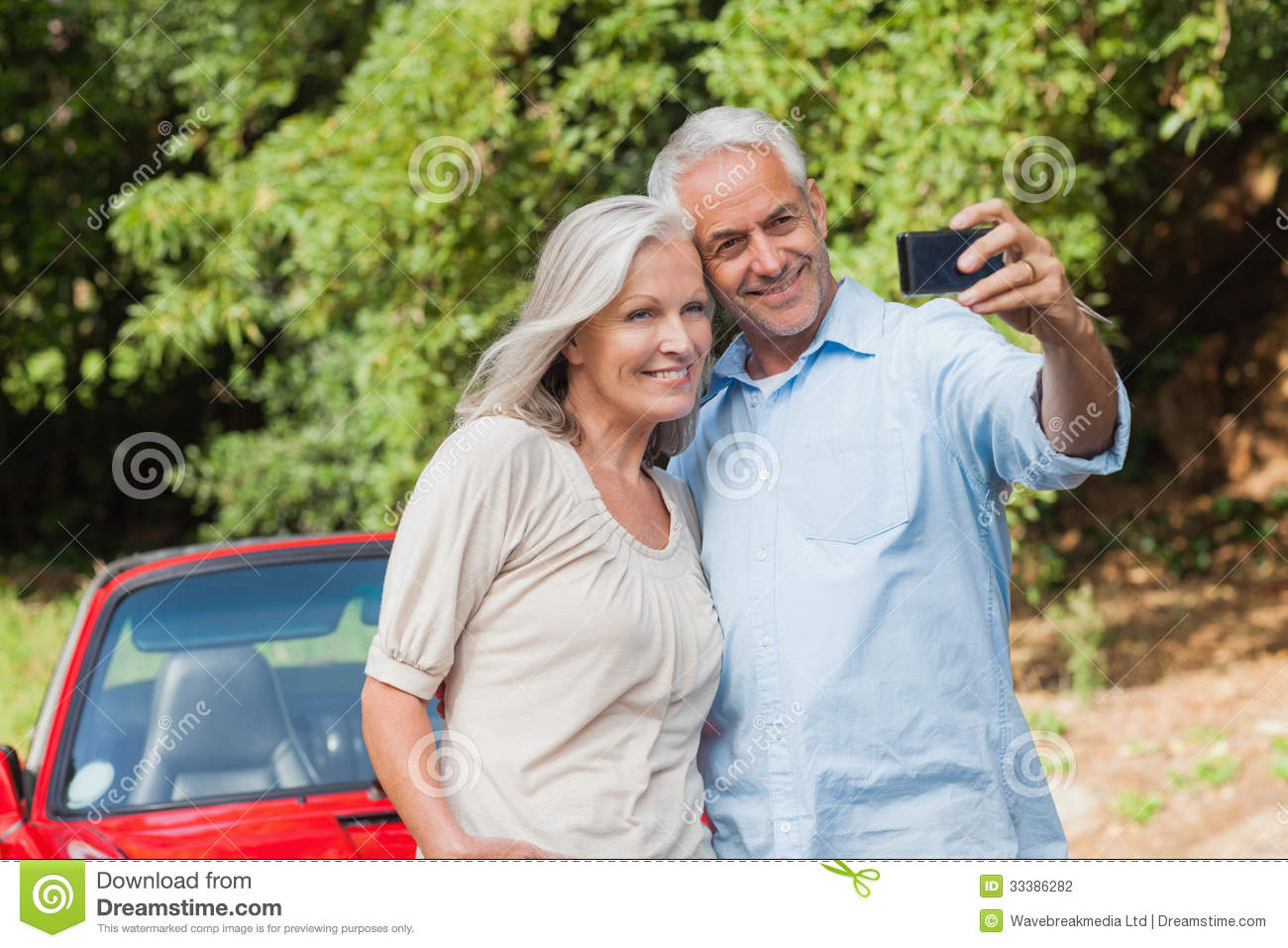 Mature couple pleases themselves