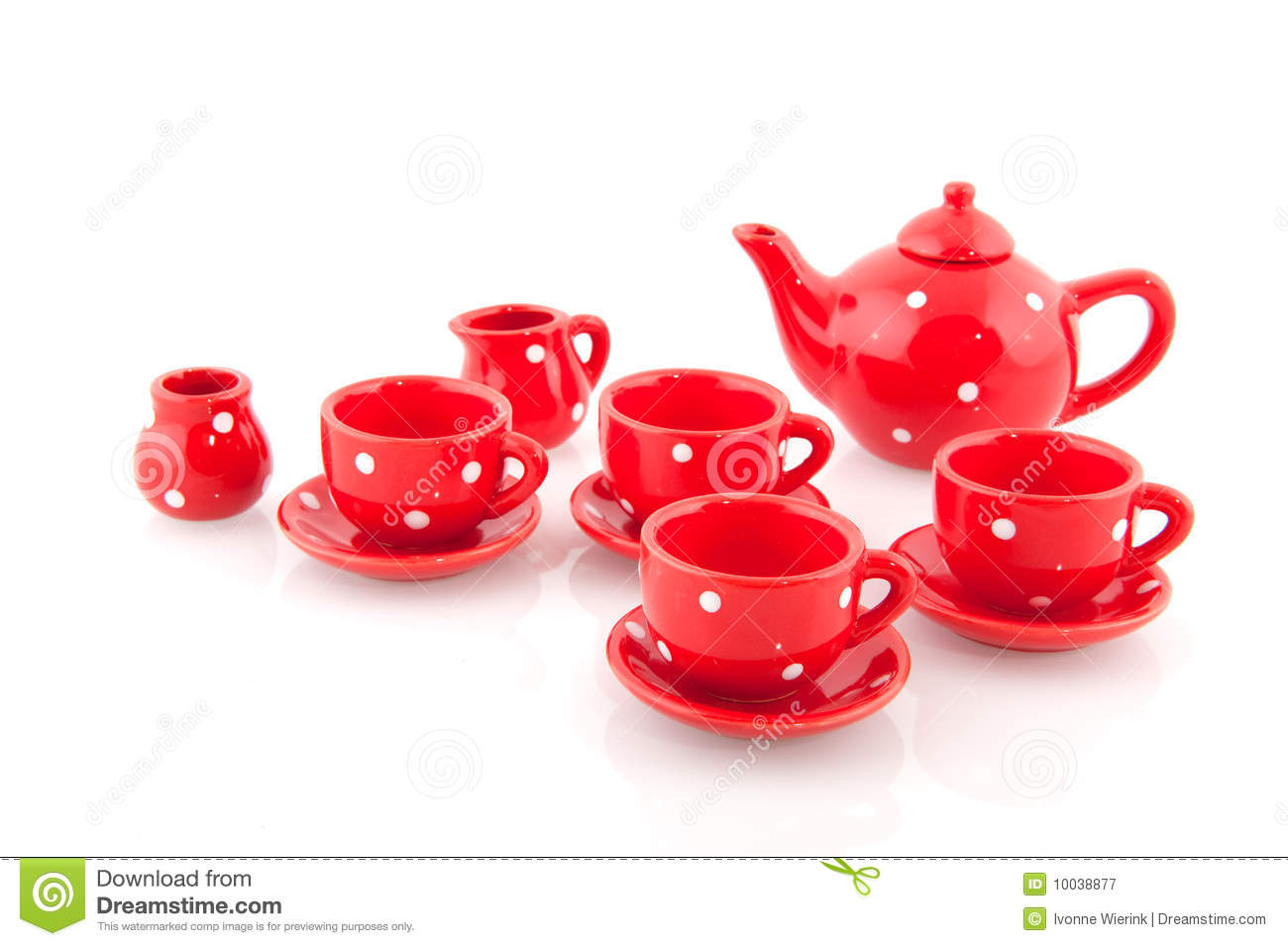 Cheerful Red Crockery Royalty Free Stock Photography - Image: 10038877
