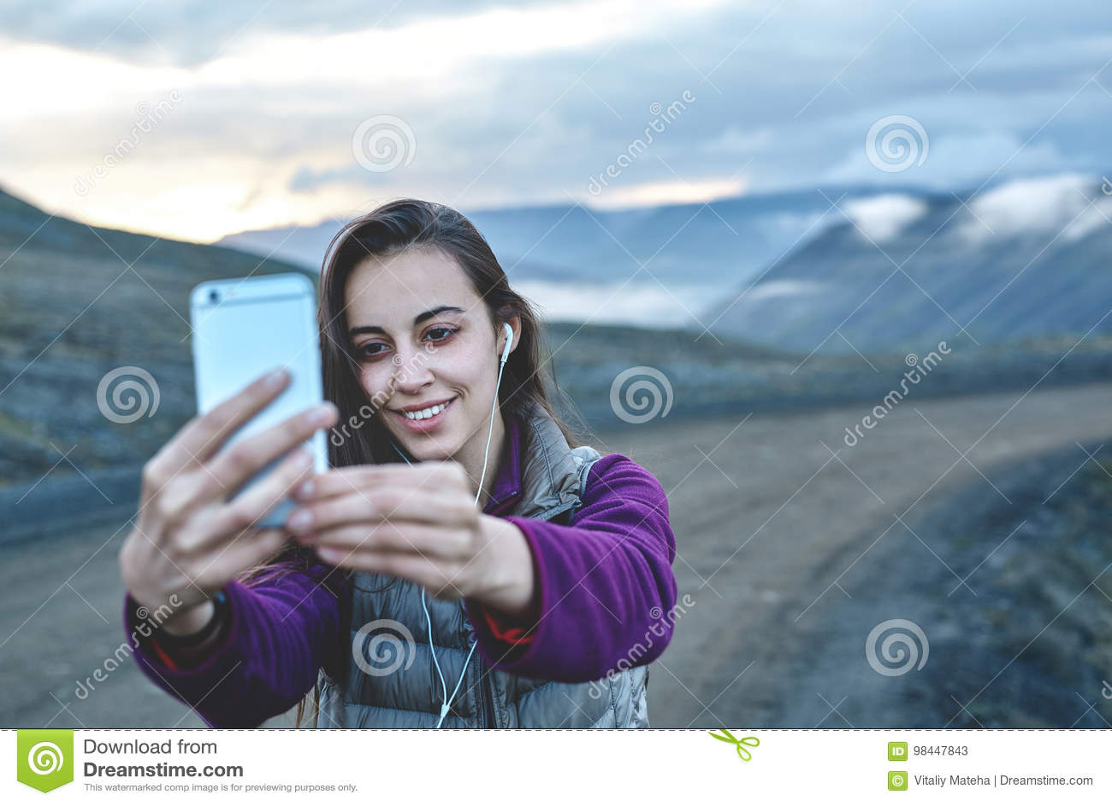Iceland girl mobile no