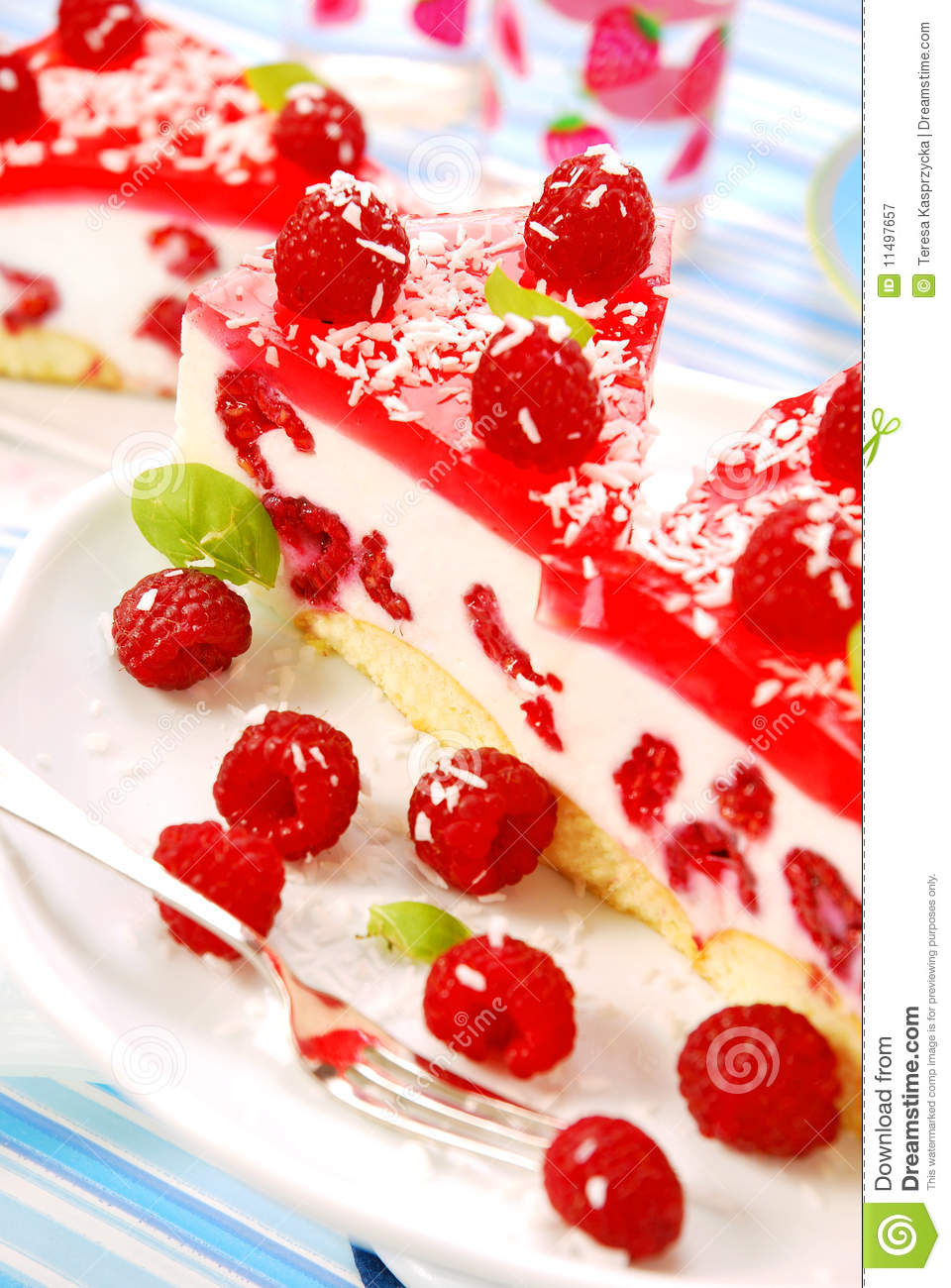 Cheese cake with jelly and raspberry