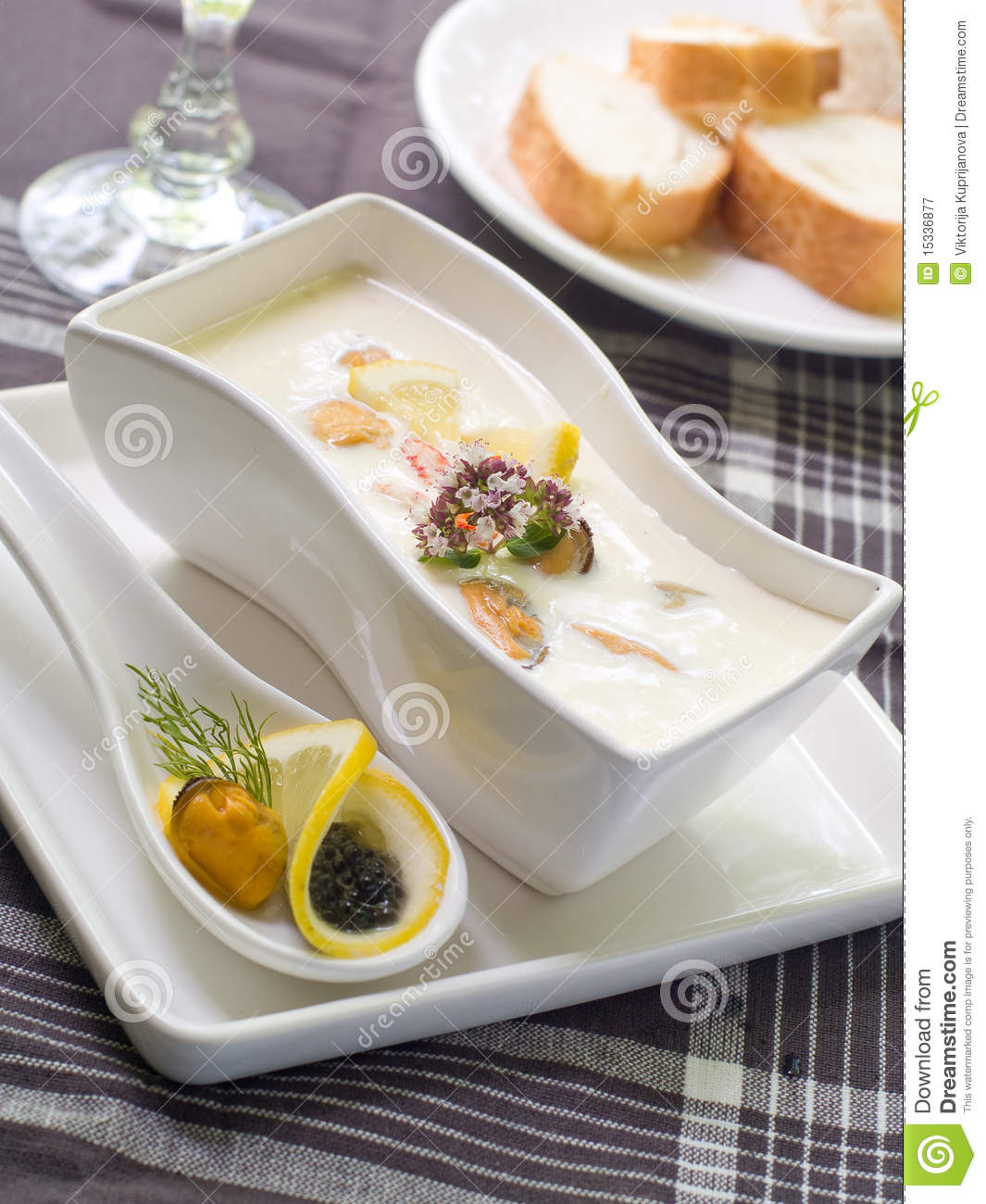Cheese cream soup with seafood