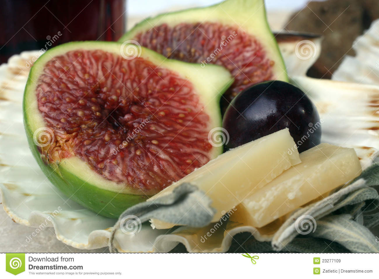 Cheese And Figs Royalty Free Stock Images - Image: 23277109