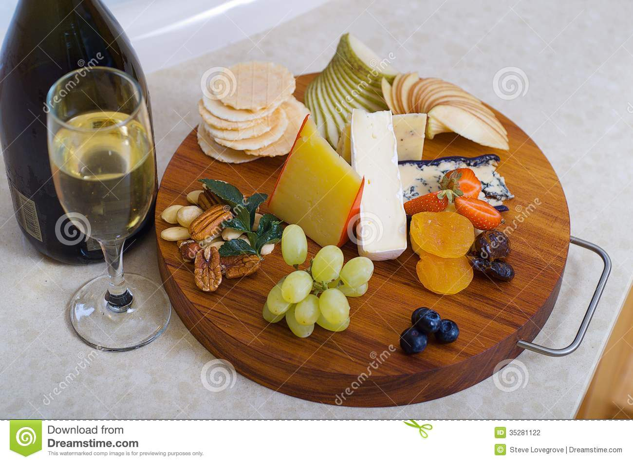 Cheese and Fruit Platter. Grapes walnut. & Cheese and Fruit Platter stock photo. Image of grapes - 35281122