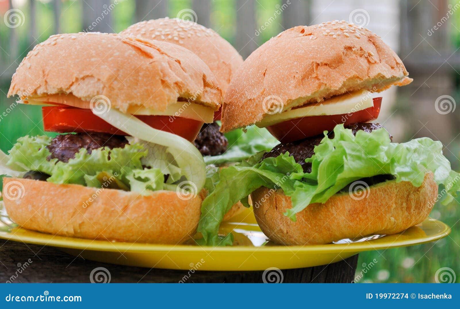 Cheeseburgers Faits Maison Images stock - Image: 19972274