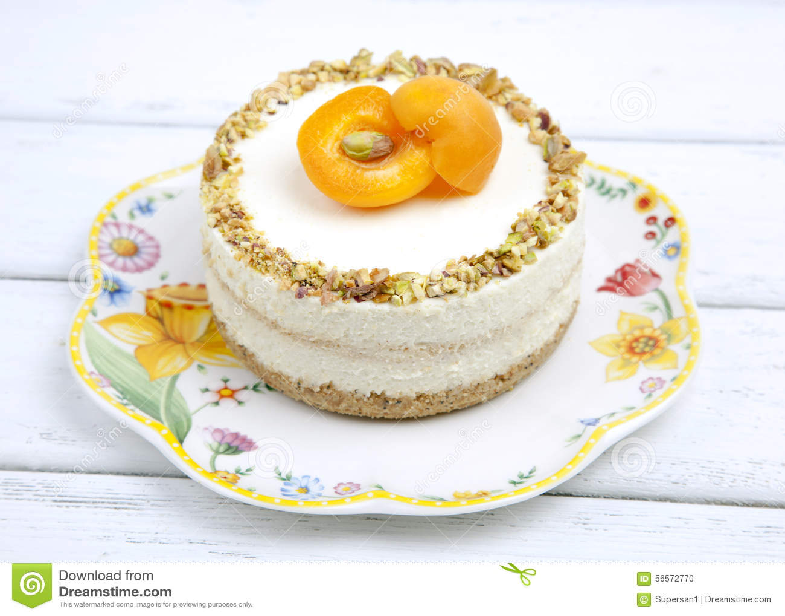 Download Cheesecake με τα βερίκοκα στοκ εικόνες. εικόνα από γαλακτοκομείο - 56572770