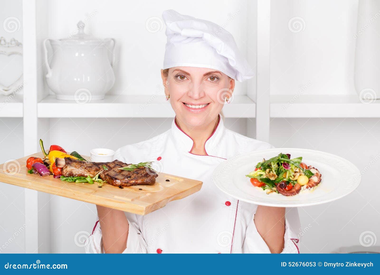 Chef Cuisinier Pr Sent Des Repas Photo Stock Image 52676053