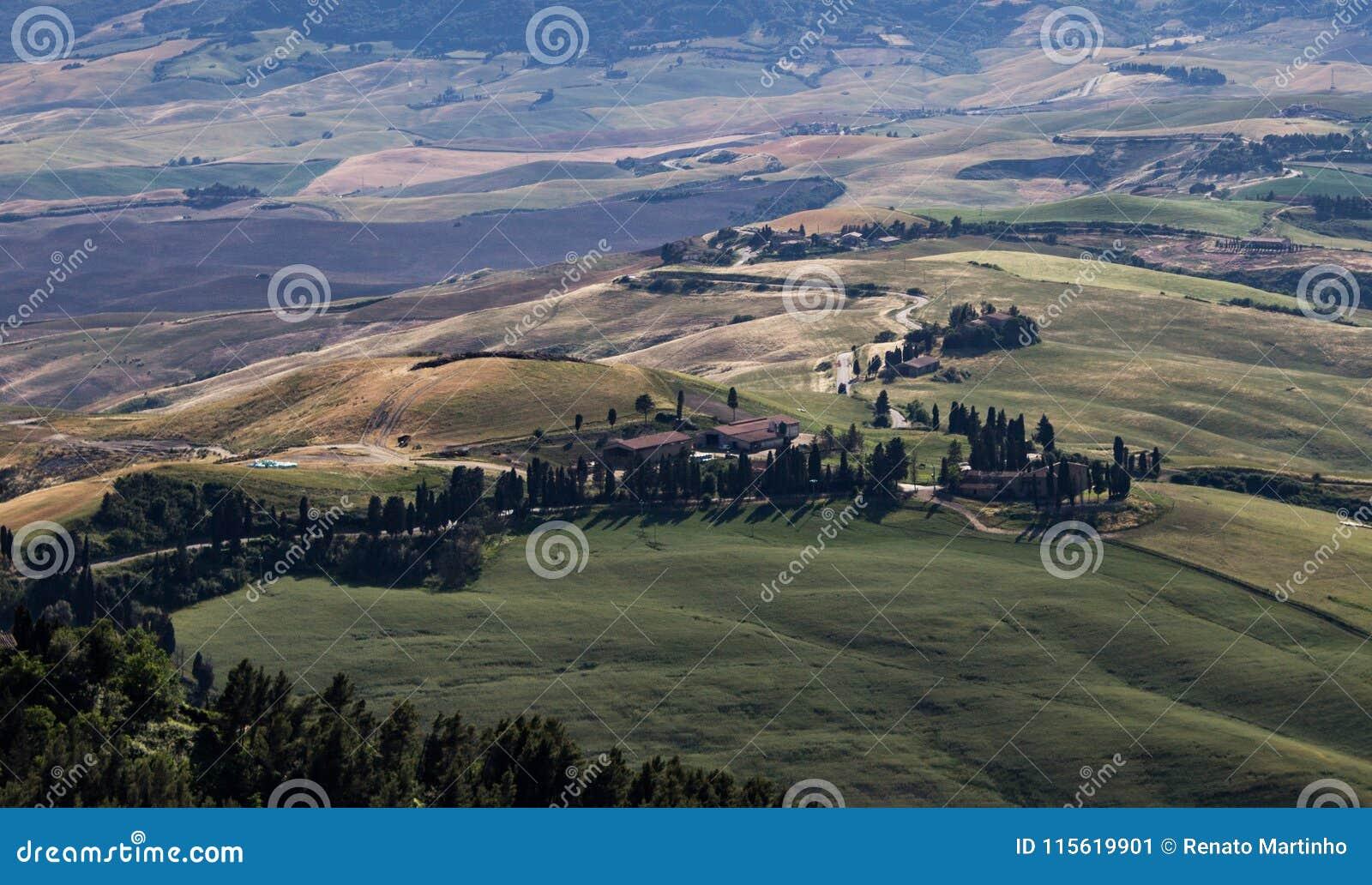 Chemin de campagne en Toscane