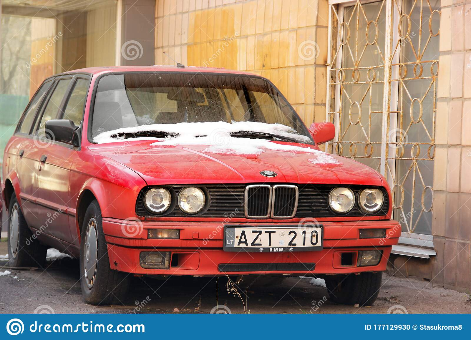 Chernihiv Ukraine March 31 2020 Old Red Bmw Car In The City Editorial Image Image Of Power Silver 177129930
