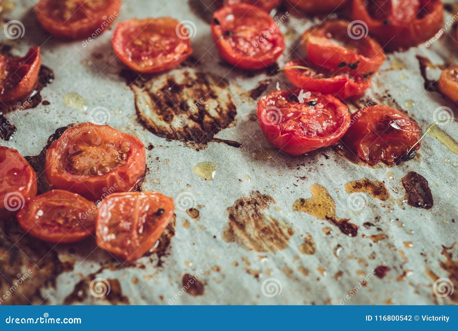 Cherry Tomatoes arrostito su pergamena
