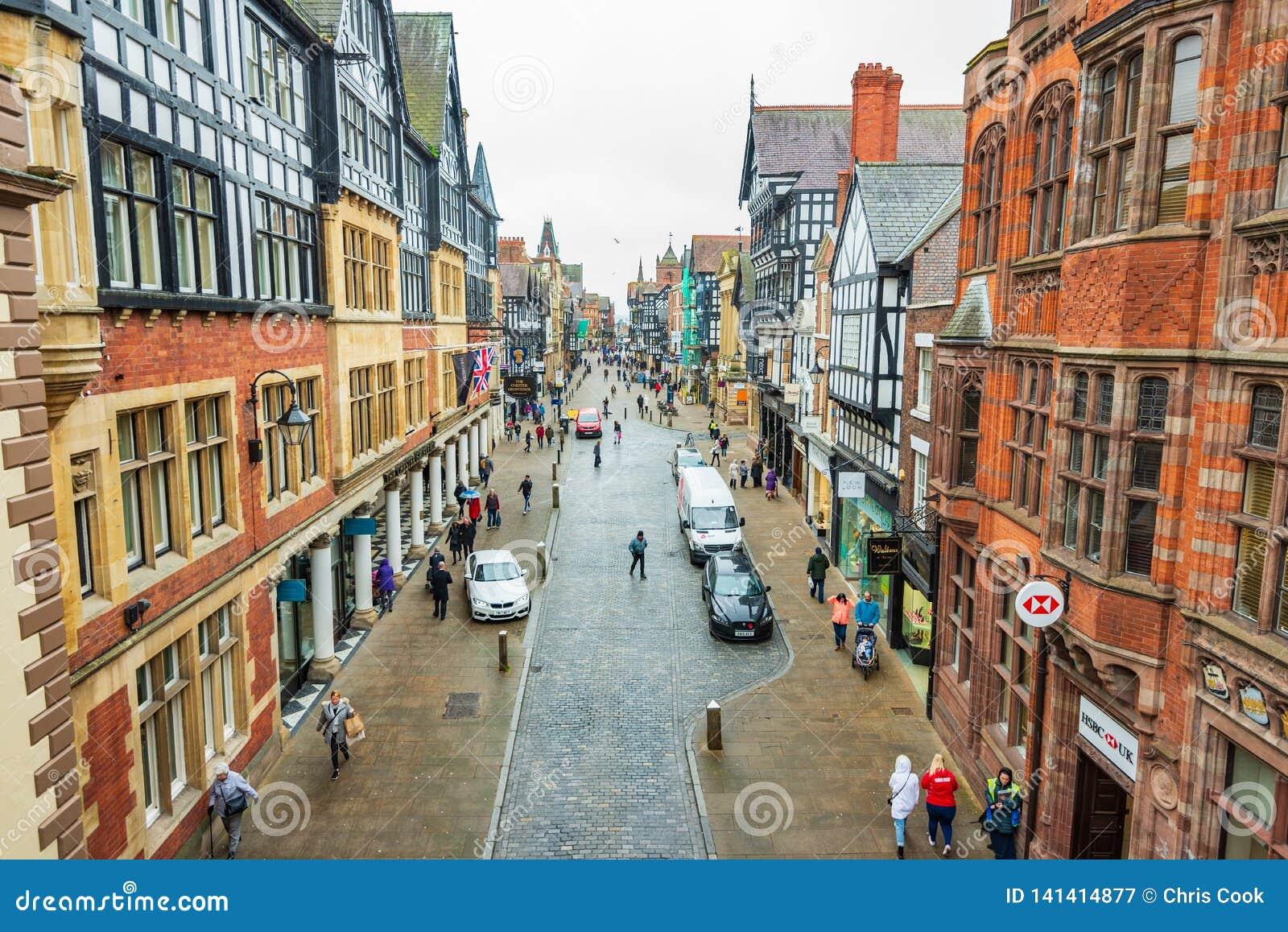 CHESTER, ANGLETERRE - 8 MARS 2019 : Une vue de Chester Highstreet
