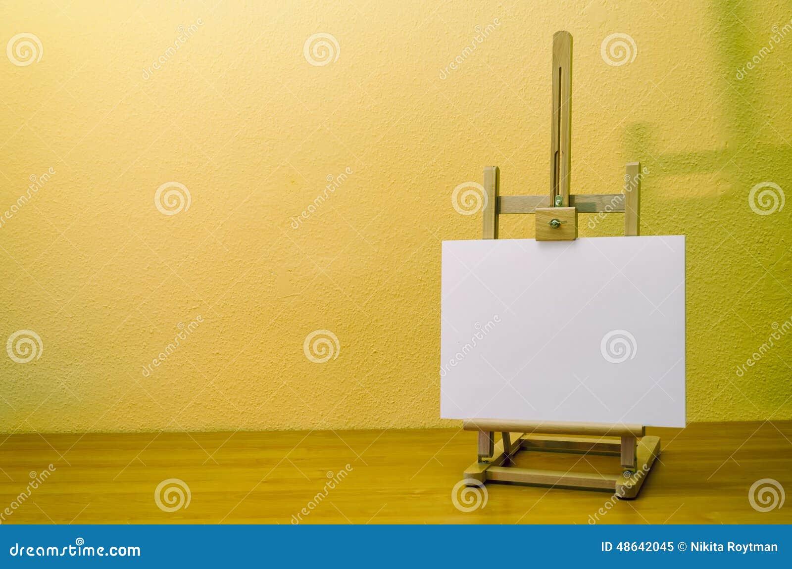 chevalet de peinture avec la toile image stock image du toile peinture 48642045. Black Bedroom Furniture Sets. Home Design Ideas