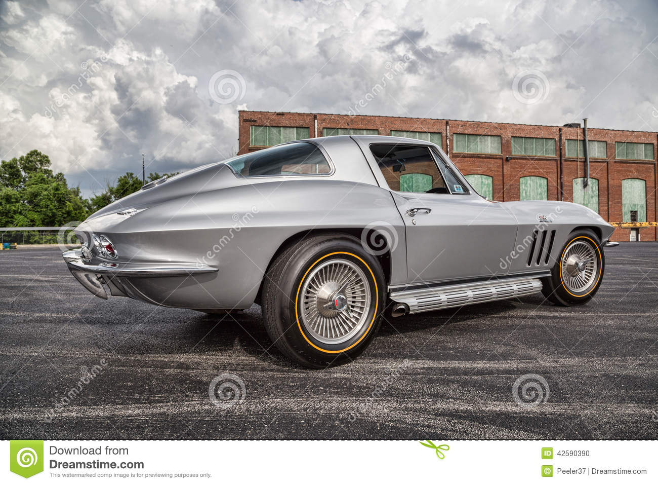 1966 Chevrolet Corvette Stingray Editorial Image Of Tire Chevy Download Grey 42590390