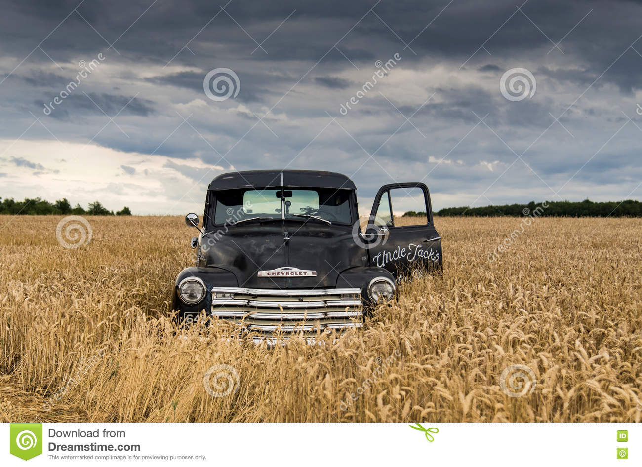 1949 Chevy Truck Abandoned In A Field Editorial Photo Image Of Step Van