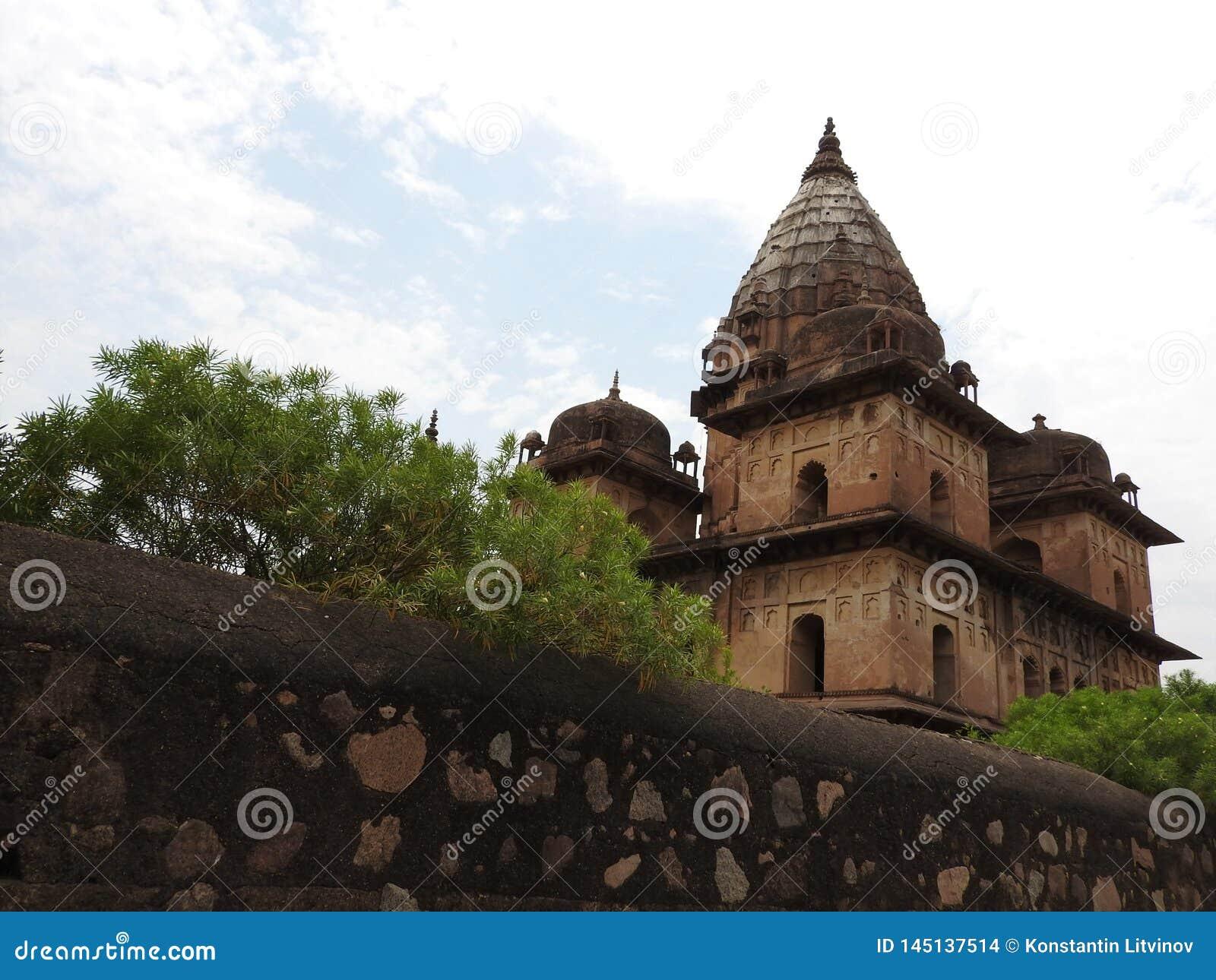 Chhatri, temps clair, Orchha, Madhya Pradesh, Inde