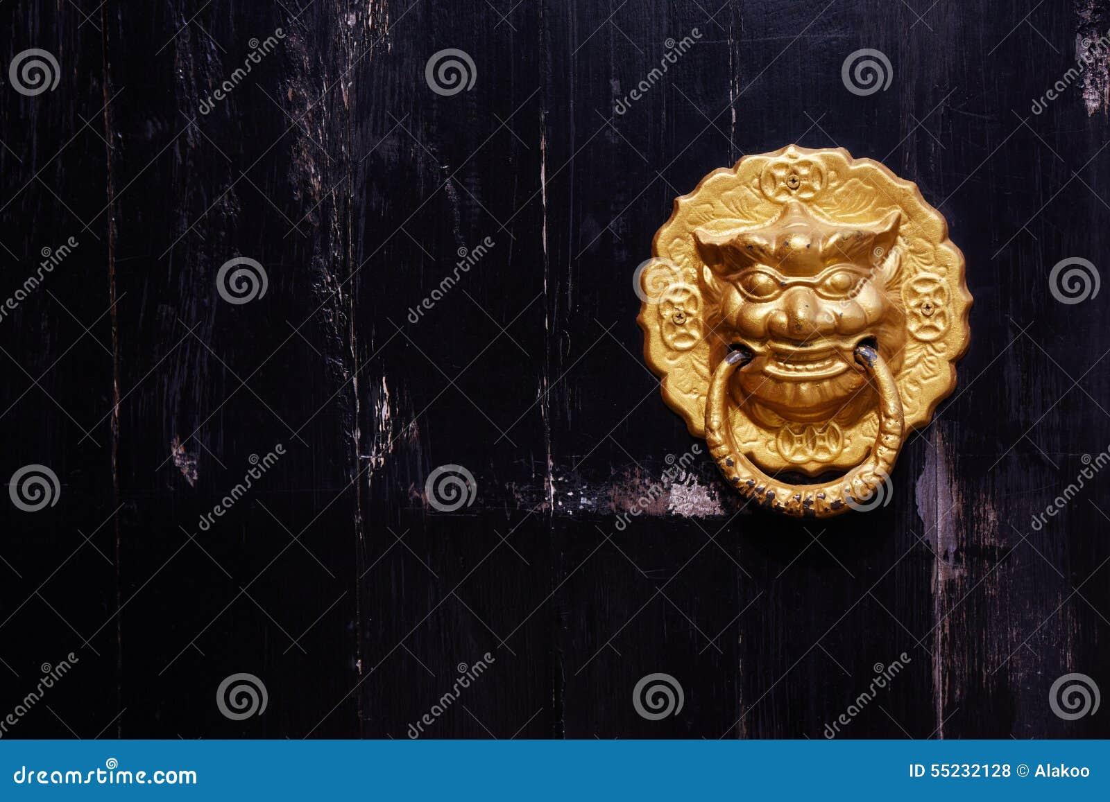 Chiński drzwiowy knocker