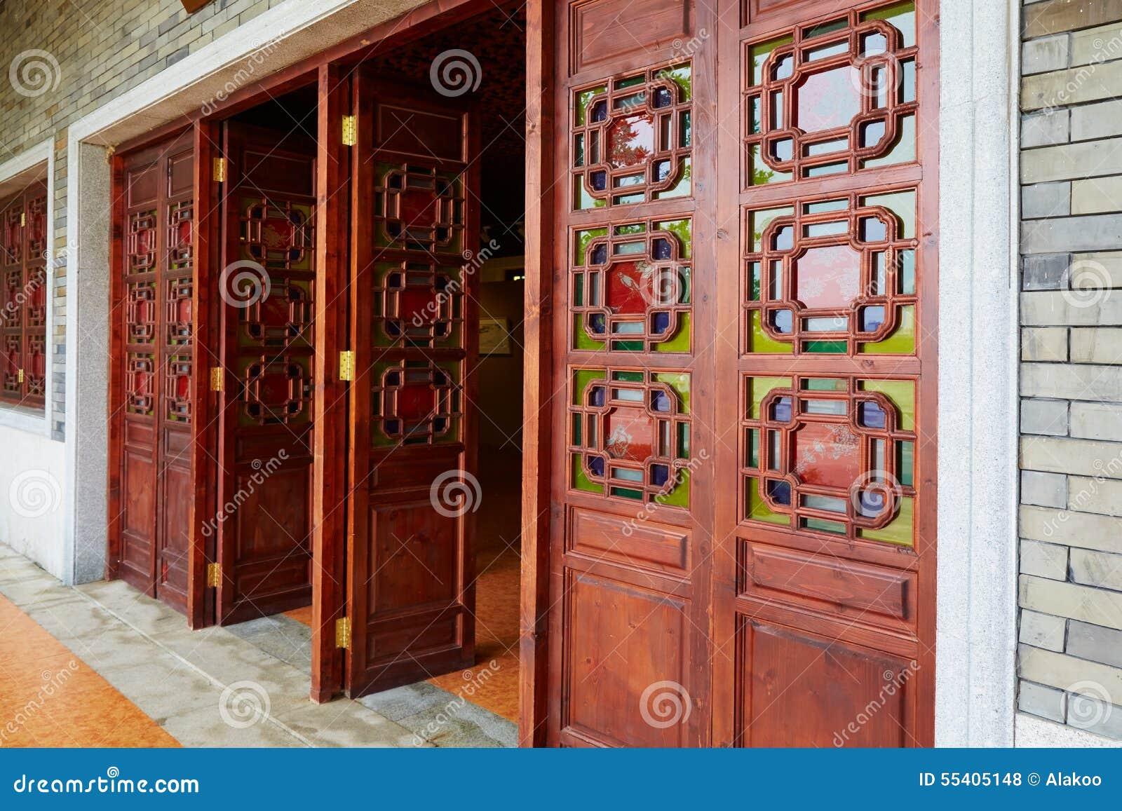 Chiński drzwiowy tradycyjny drewniany