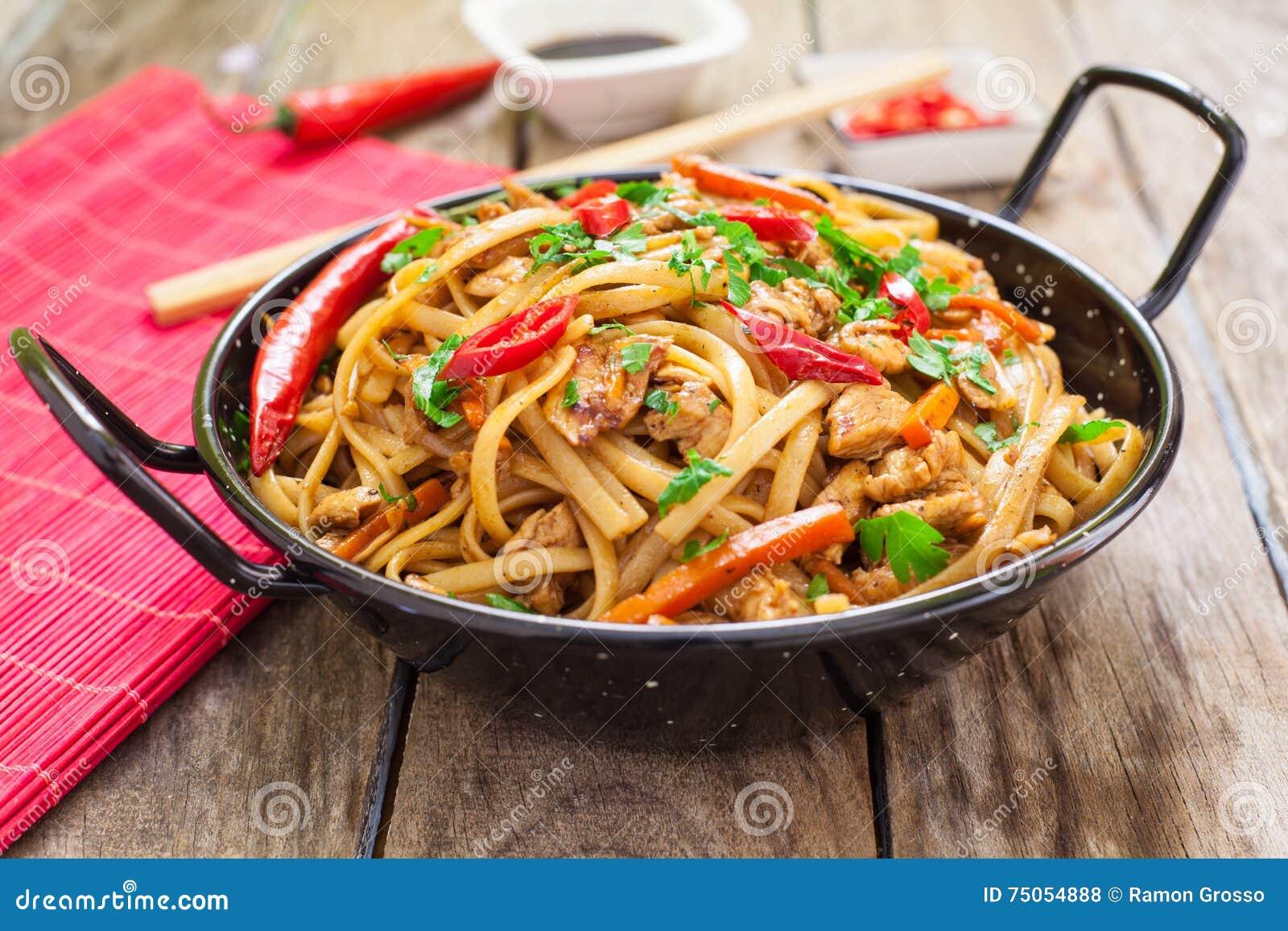 Chiński jedzenie na wok