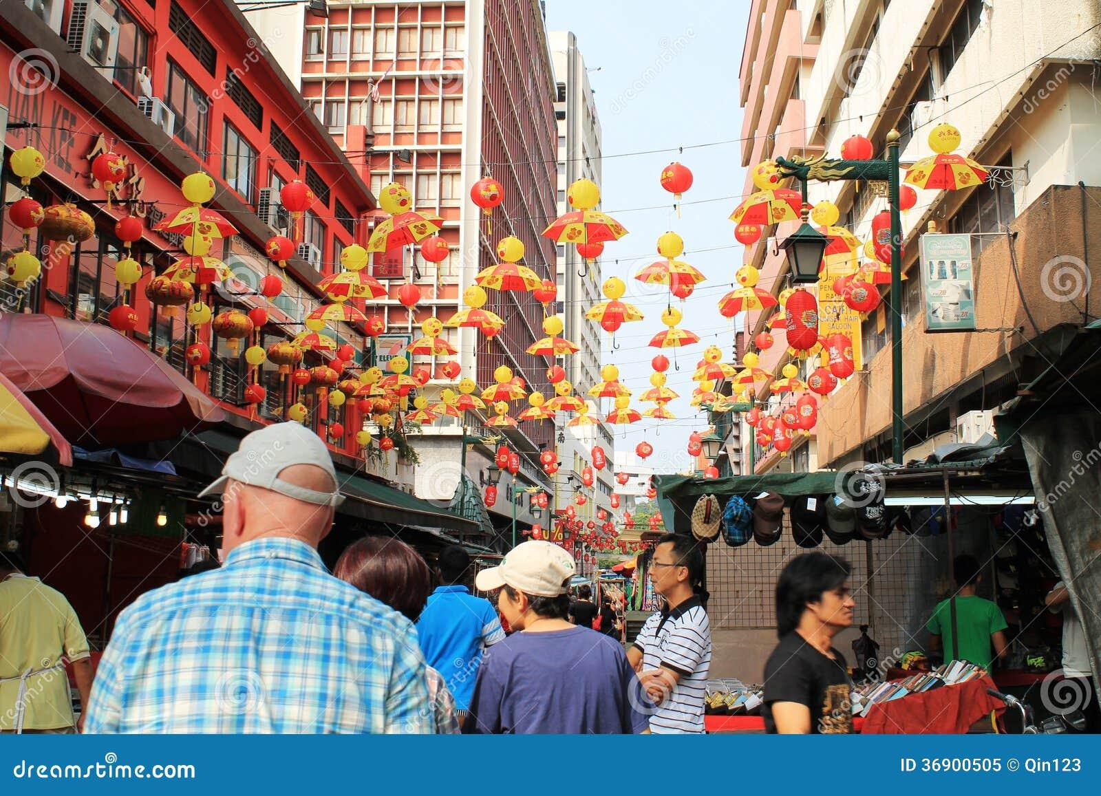 Chiński nowego roku nastrój przy petating ulicą