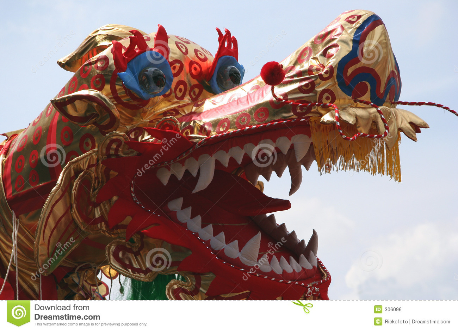 Chiński smok tańca
