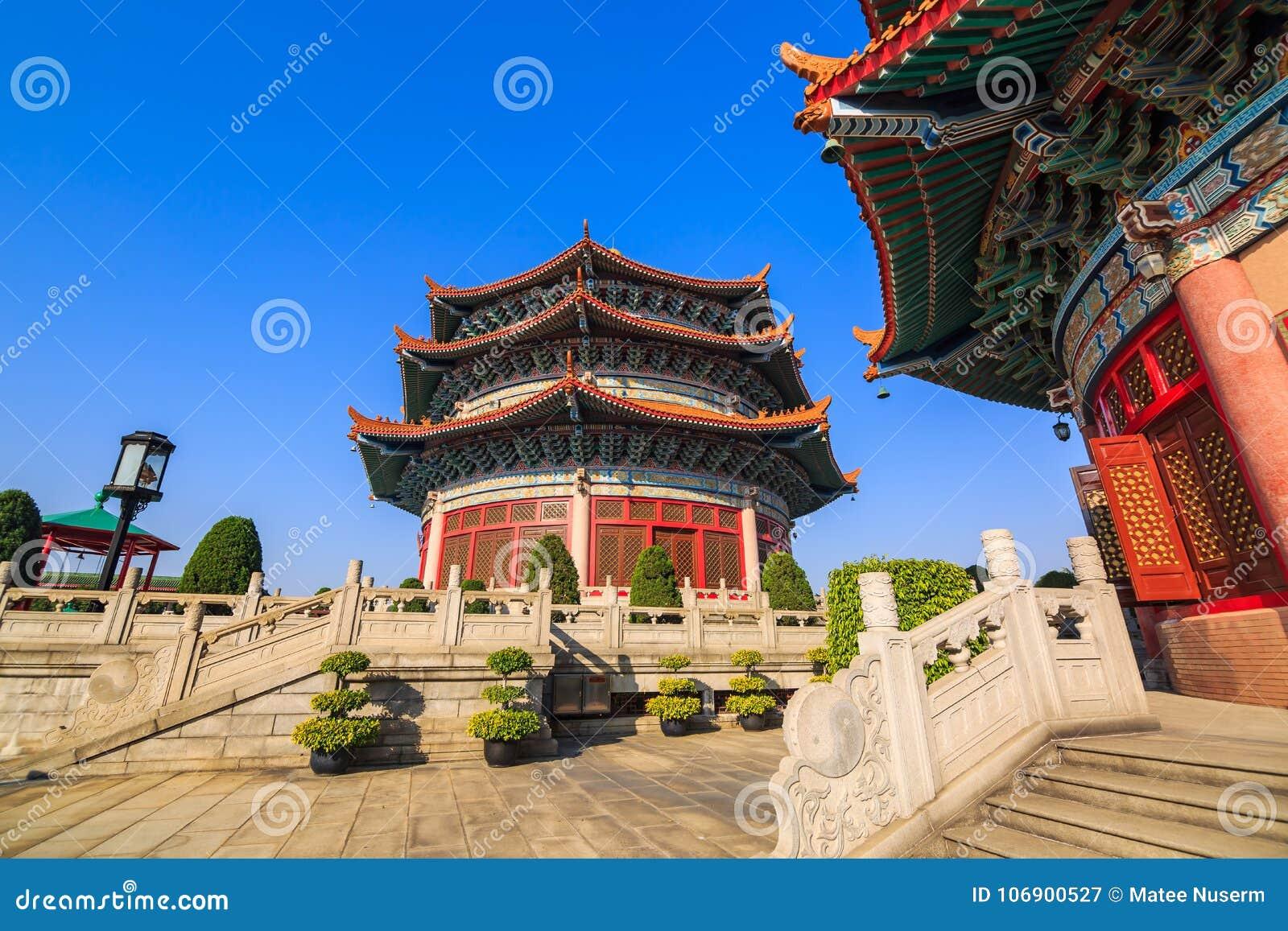 Chiński styl wokoło trzy opowieści sala