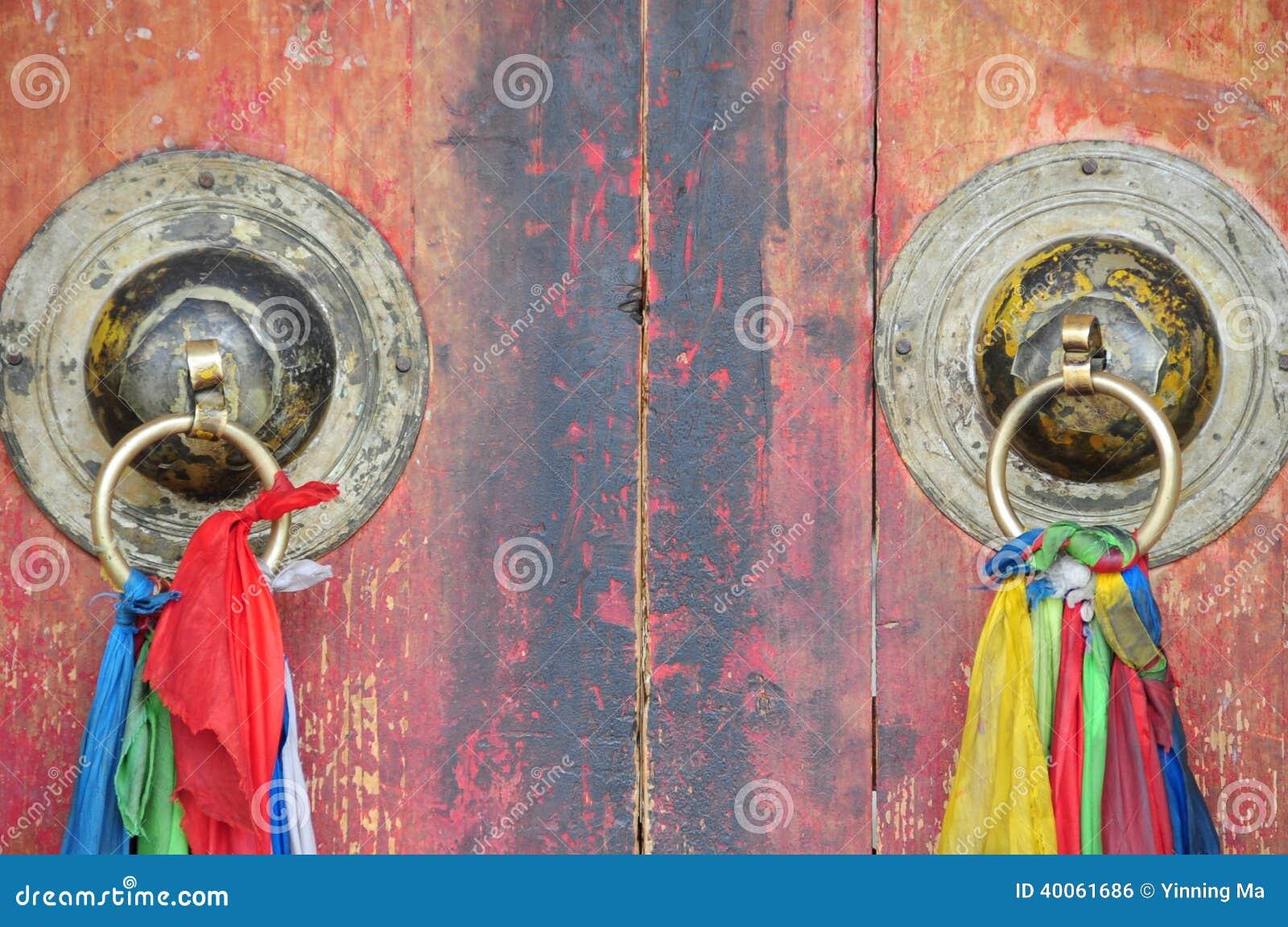 Chińskiego świątynnego architektura metalu drzwiowy knocker