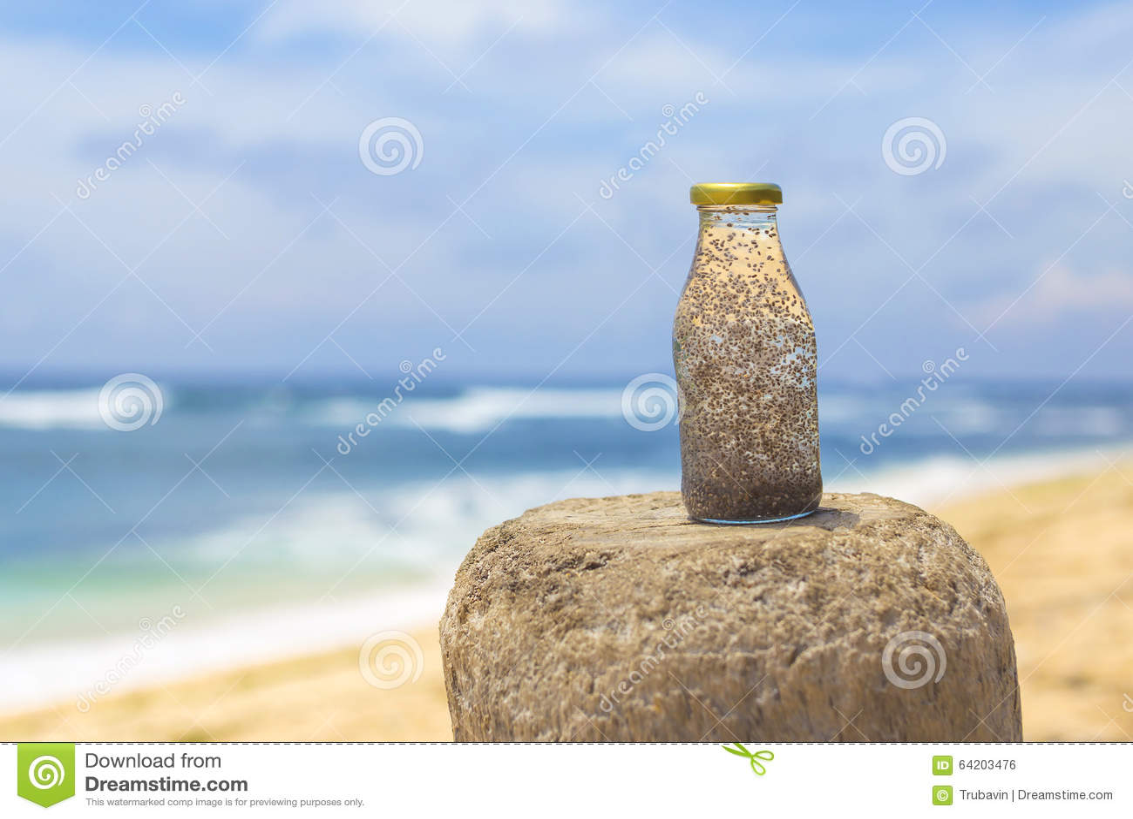 Chia en agua fresca del coco