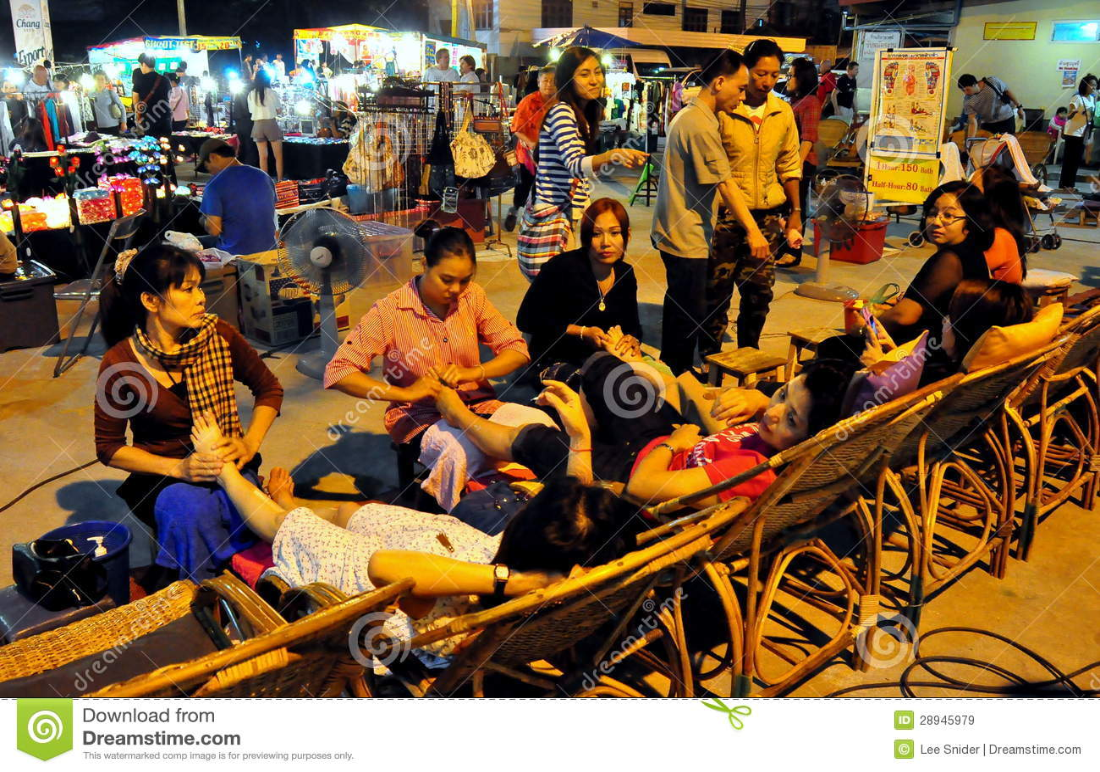 Chiang Mai, Таиланд: Люди получая массаж ноги