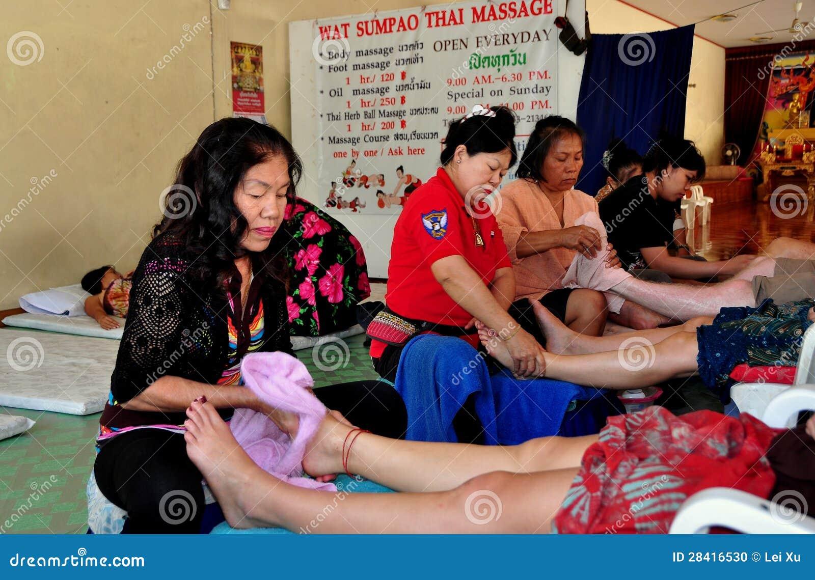 Chiang Mai, Таиланд: Массаж ноги на спе Sumpao