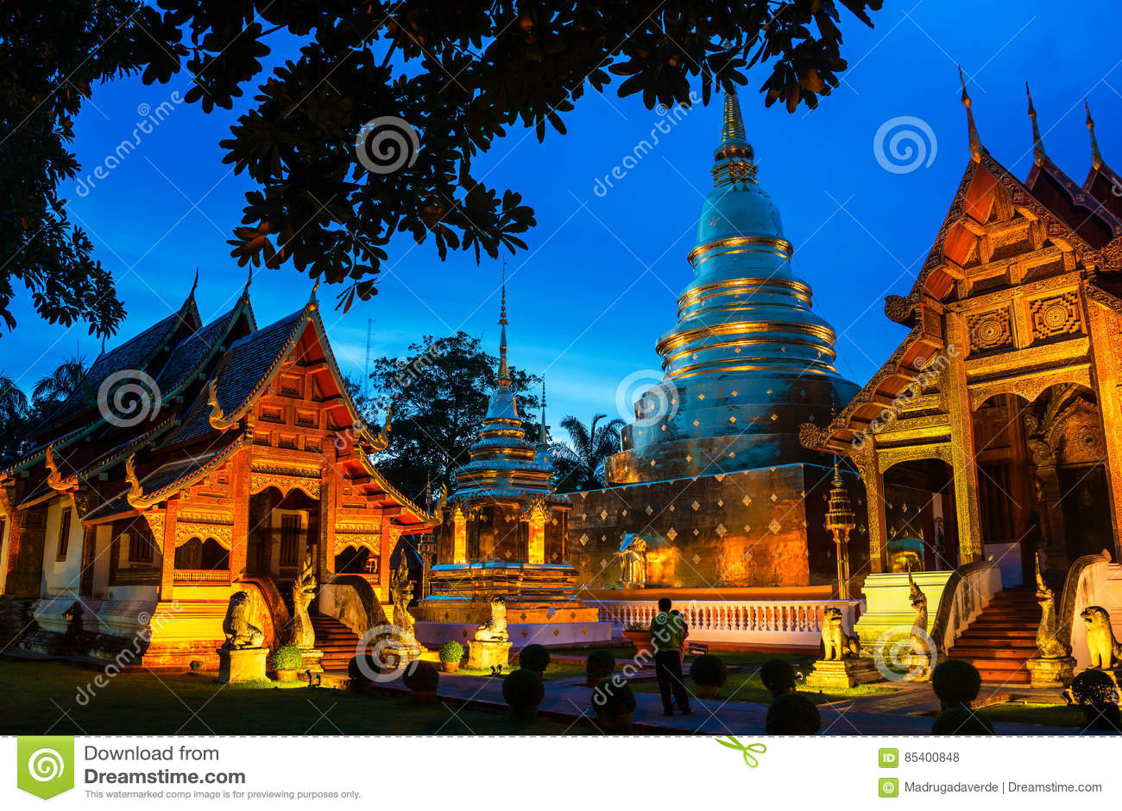 Chiang Mai, Tajlandia Iluminować świątynie Phra Singh